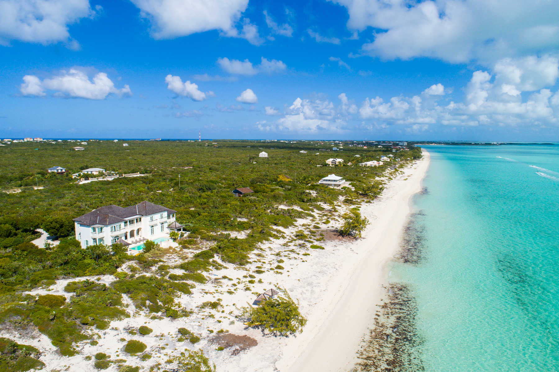 Additional photo for property listing at Long Bay House Beachfront Long Bay, Providenciales TKCA 1ZZ Islas Turcas Y Caicos
