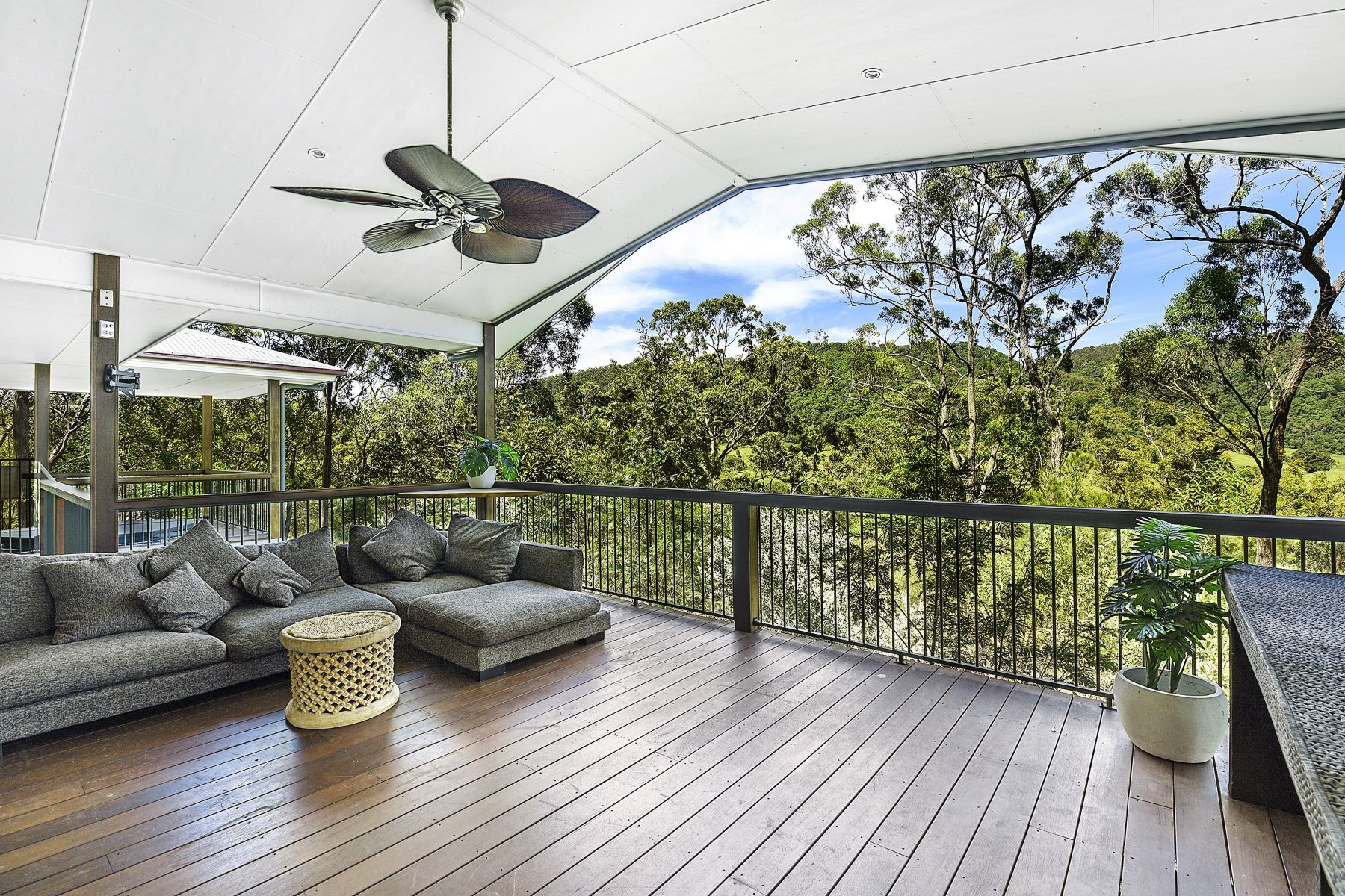 Multi-Family Home for Sale at 1011 Tamborine-Oxenford Road, Wongawallan Gold Coast, Queensland, 4210 Australia