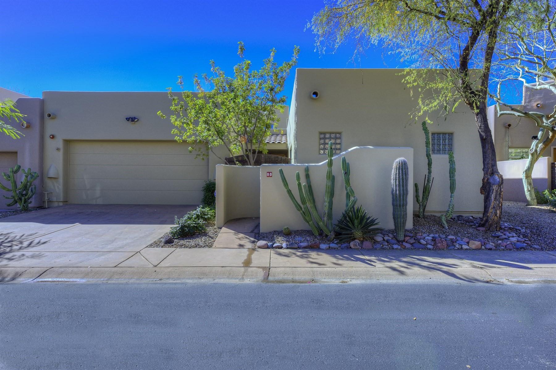 타운하우스 용 매매 에 Fabulous lock-n-leave home in a guard-gated community 6711 E Camelback Rd #80 Scottsdale, 아리조나, 85251 미국