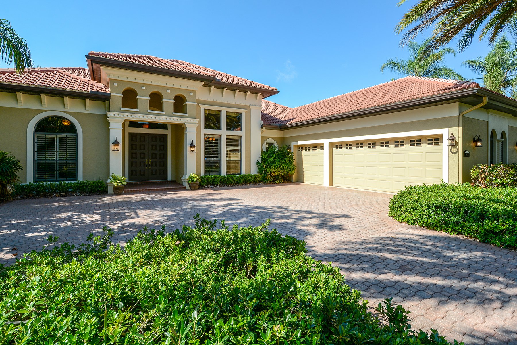 single family homes for Active at LAKEWOOD RANCH COUNTRY CLUB 13306 Lost Key Pl Lakewood Ranch, Florida 34202 United States