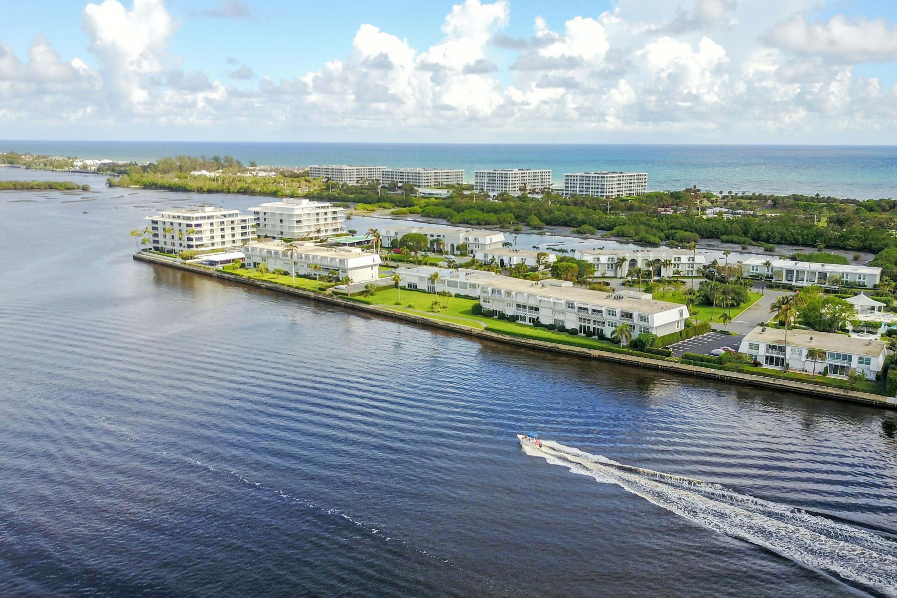 Additional photo for property listing at Ibis Isle Condo 2180 Ibis Isle Rd # 2 Palm Beach, Florida 33480 Verenigde Staten