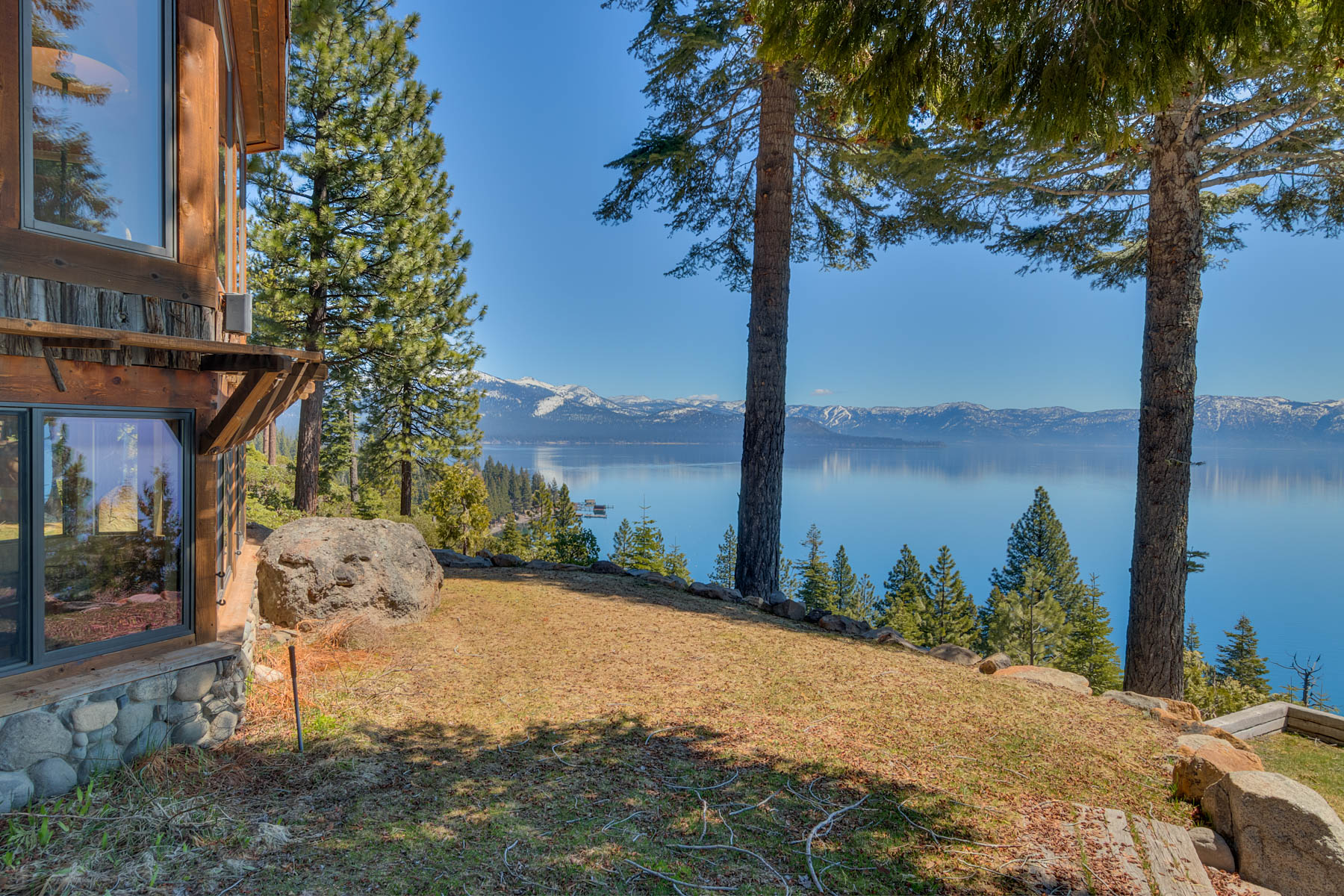 Additional photo for property listing at 488 Old County Road, Carnelian Bay, CA 96140 488 Old County Road Carnelian Bay, California 96140 Estados Unidos