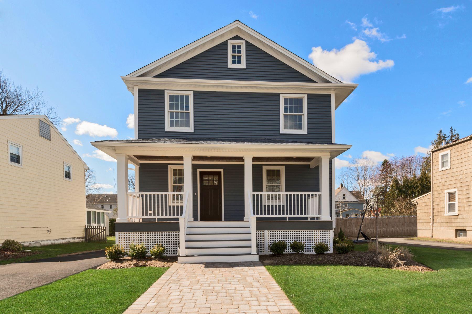 Частный односемейный дом для того Продажа на Impressive New Construction 22 Bergen Avenue Waldwick, Нью-Джерси 07463 Соединенные Штаты