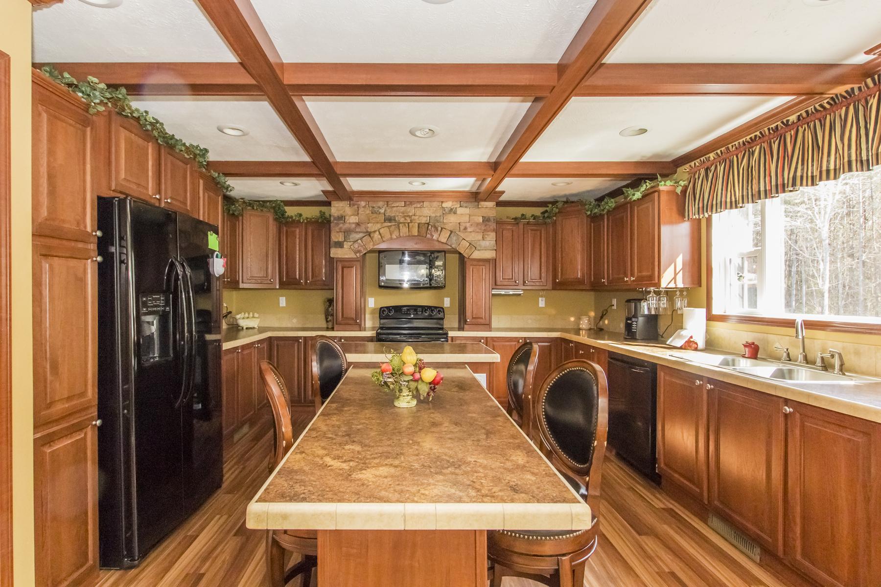 Частный односемейный дом для того Продажа на 790 NC Highway 32 S 790 HWY 32 S Hobbsville, Северная Каролина 27946 Соединенные Штаты