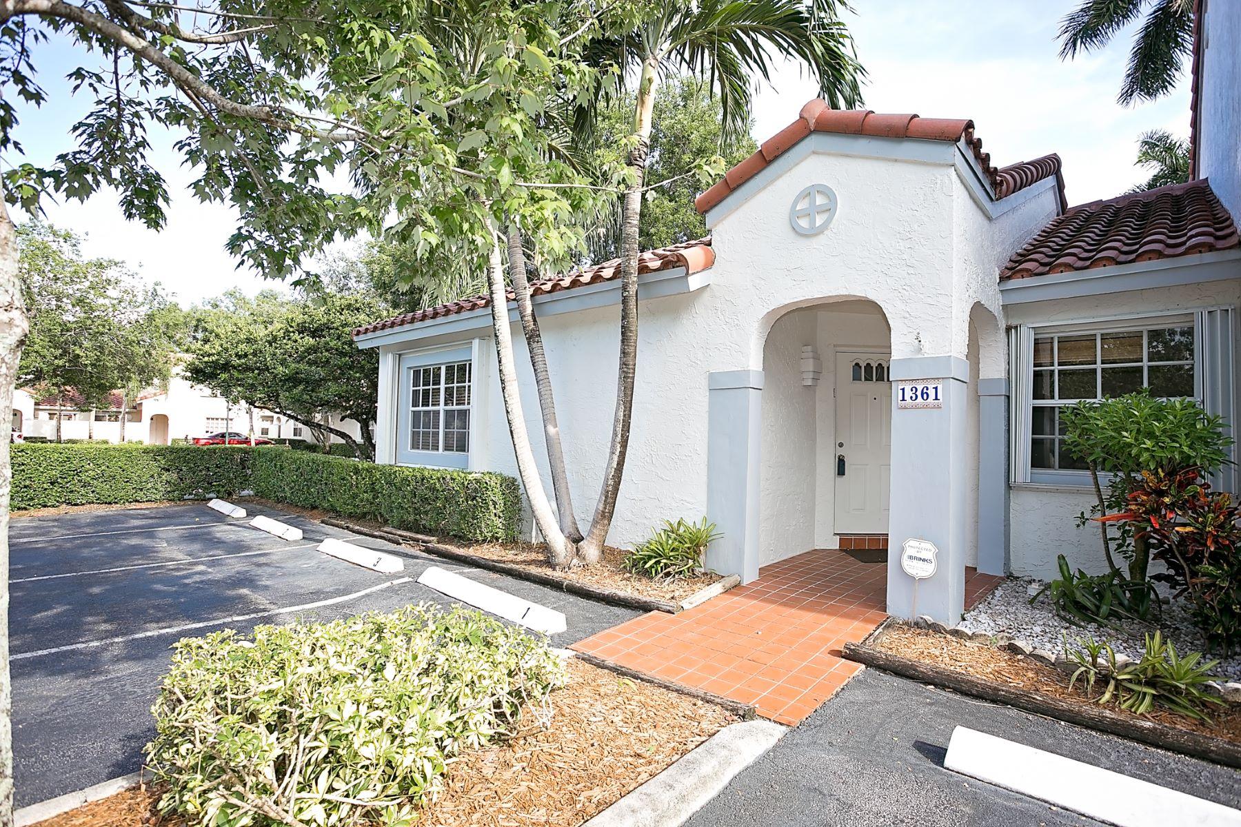 Casa para uma família para Locação às 1361 Cottonwood Cr. Weston, Florida 33326 Estados Unidos
