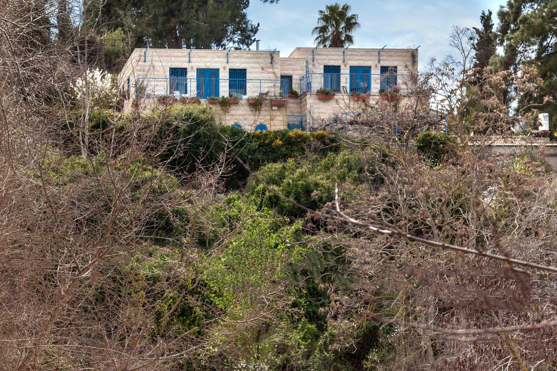 Additional photo for property listing at Extraordinary Villa in Historic Ein Karem Village 耶路撒冷, 以色列 以色列