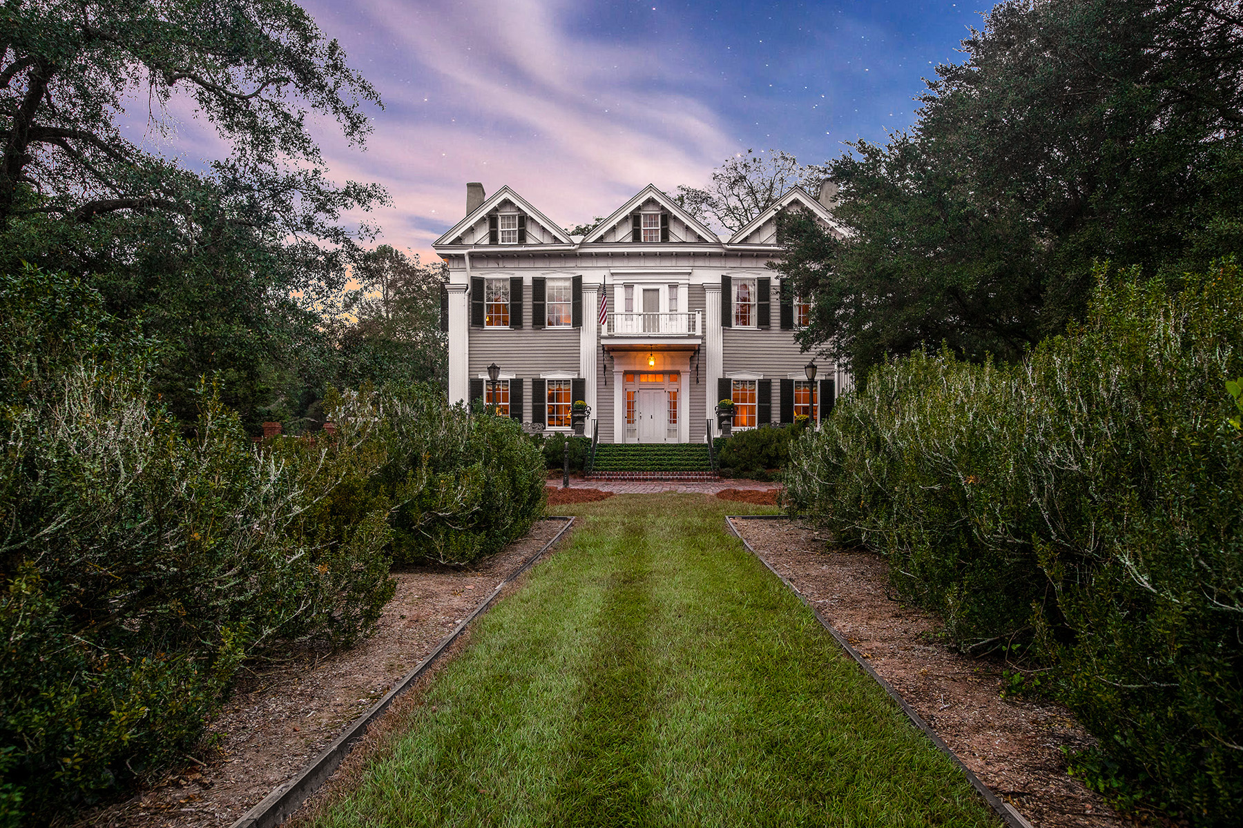Single Family Homes for Sale at Restored 1818 Home! One of The Most Distinguished Properties Of The South! 847 Dixie Avenue Madison, Georgia 30650 United States