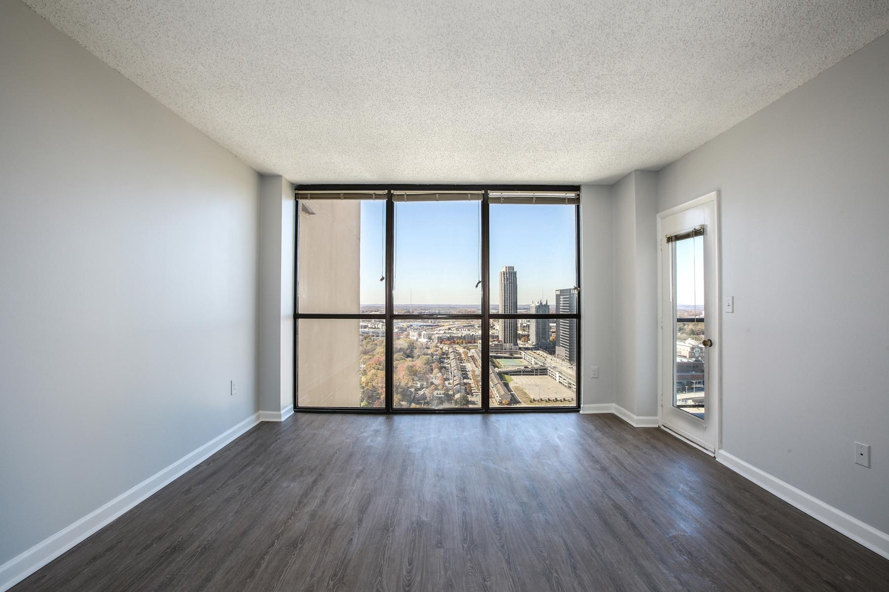단독 가정 주택 용 매매 에 Renovated Stunner 1280 West Peachtree 3605, Atlanta, 조지아, 30309 미국