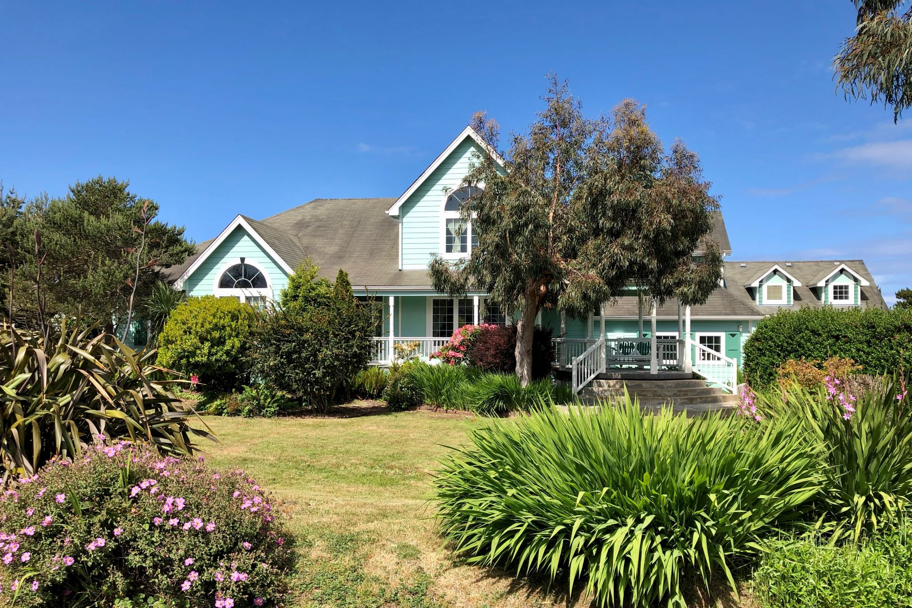Single Family Homes para Venda às Victorian by the Sea 3020 Grant Pl, Bandon, Oregon 97411 Estados Unidos