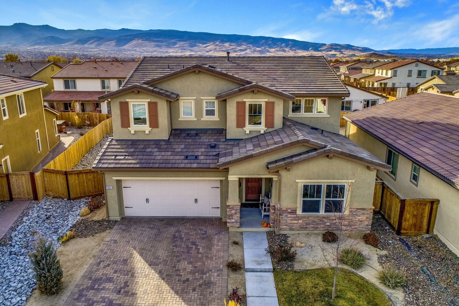 Property por un Venta en 2024 Long Meadow Drive, Reno NV 89521 2024 Long Meadow Drive Reno, Nevada 89521 Estados Unidos