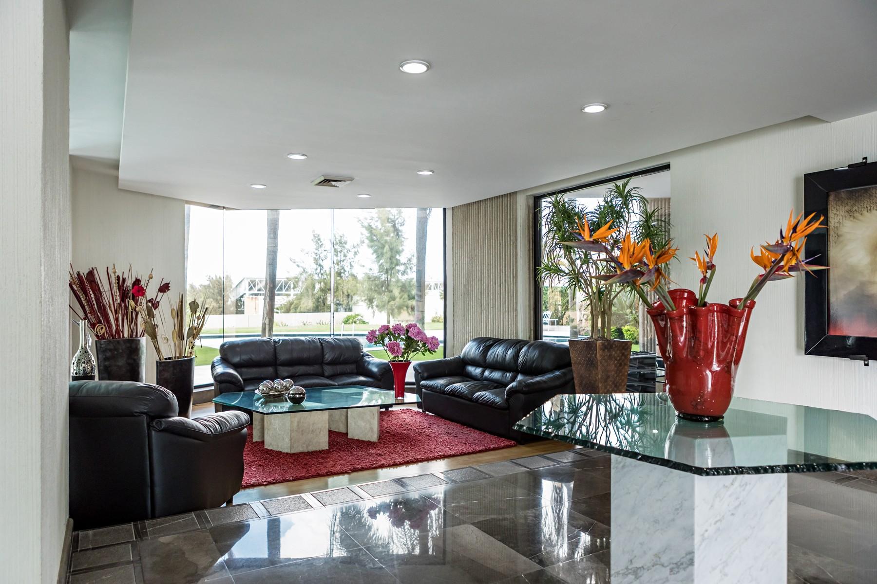 Additional photo for property listing at Departamento de Lujo, Paseo del Edén, Colinas de San Javier, Zapopan Paseo del Edén 2449 Guadalajara, Jalisco 44660 Mexico
