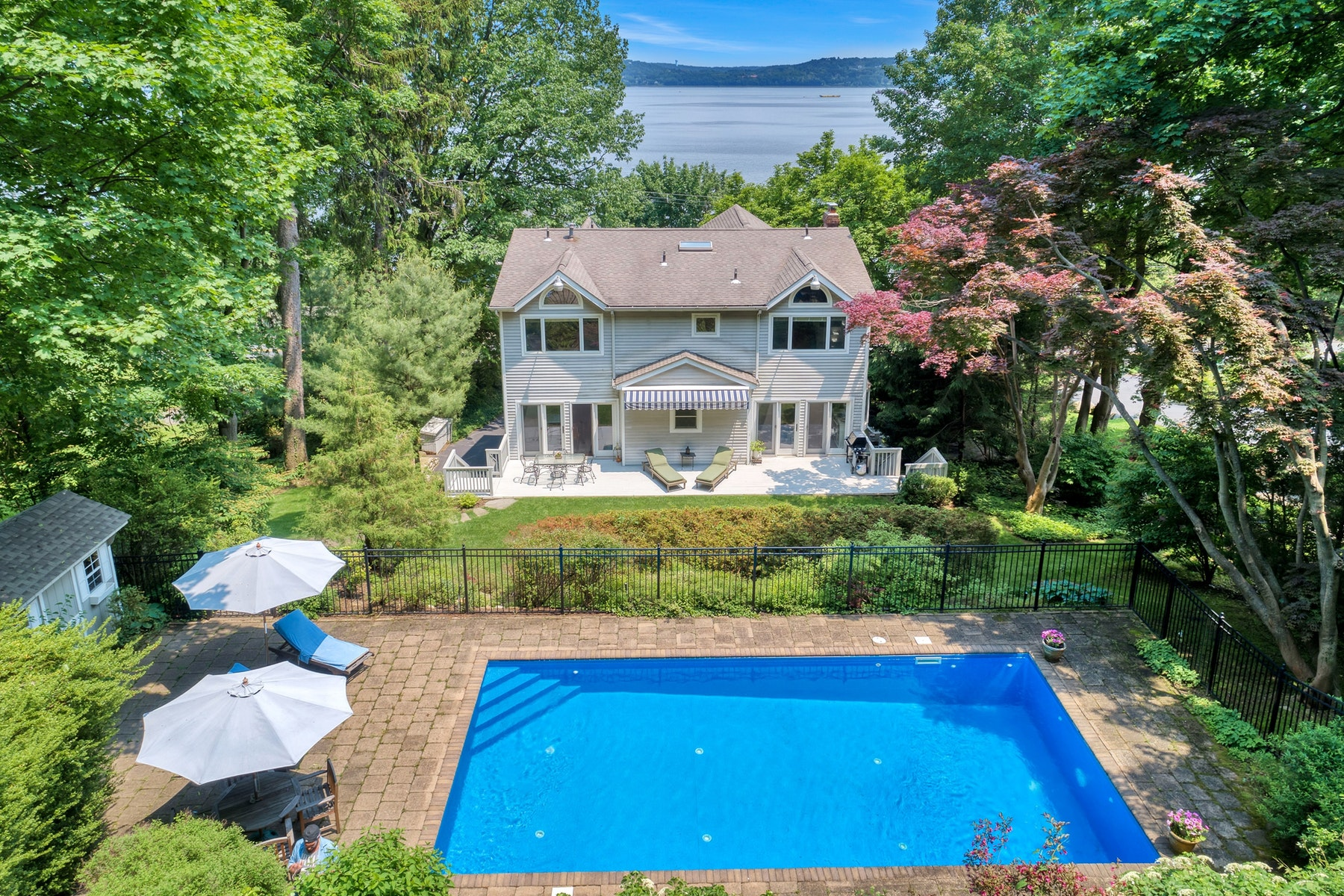 Single Family Homes för Försäljning vid Hudson River Views 237 River Rd., Grandview, New York 10960 Förenta staterna