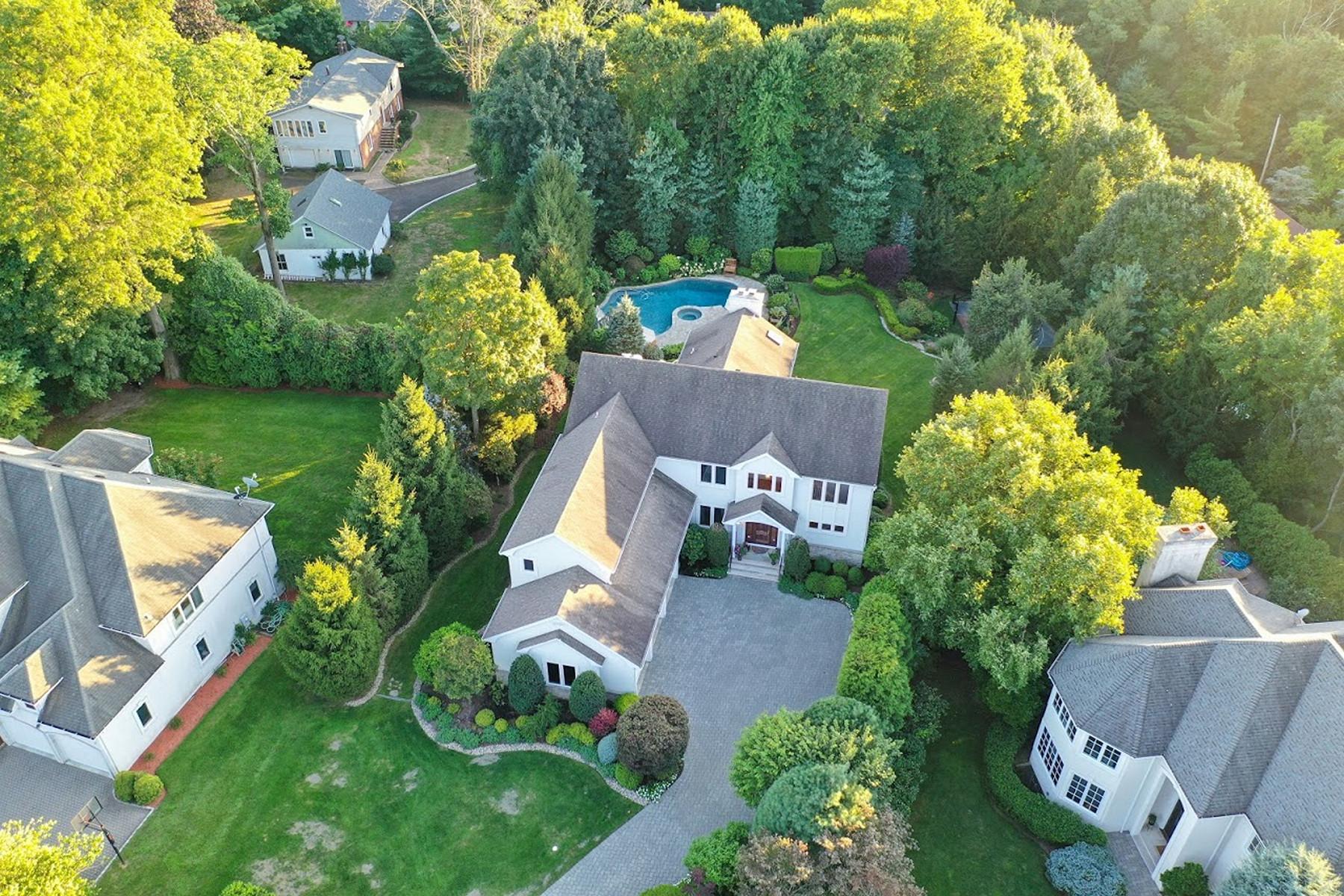 Single Family Homes pour l Vente à East Hill 8 Blackledge Ct, Closter, New Jersey 07624 États-Unis
