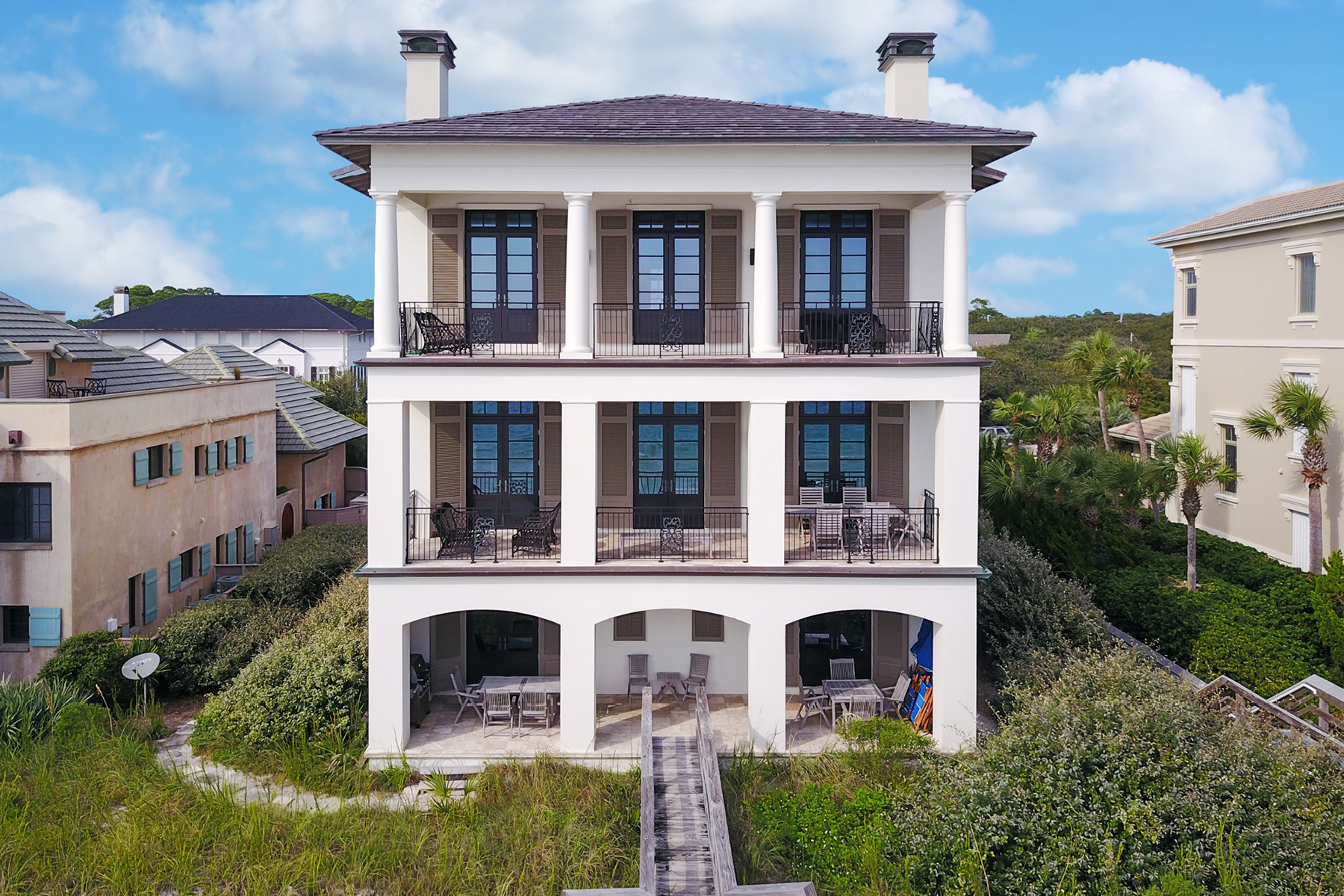 Casa Unifamiliar por un Venta en Stunning Gulf Front Home in Exclusive Gated Community 25 Stallworth Boulevard, Santa Rosa Beach, Florida, 32459 Estados Unidos