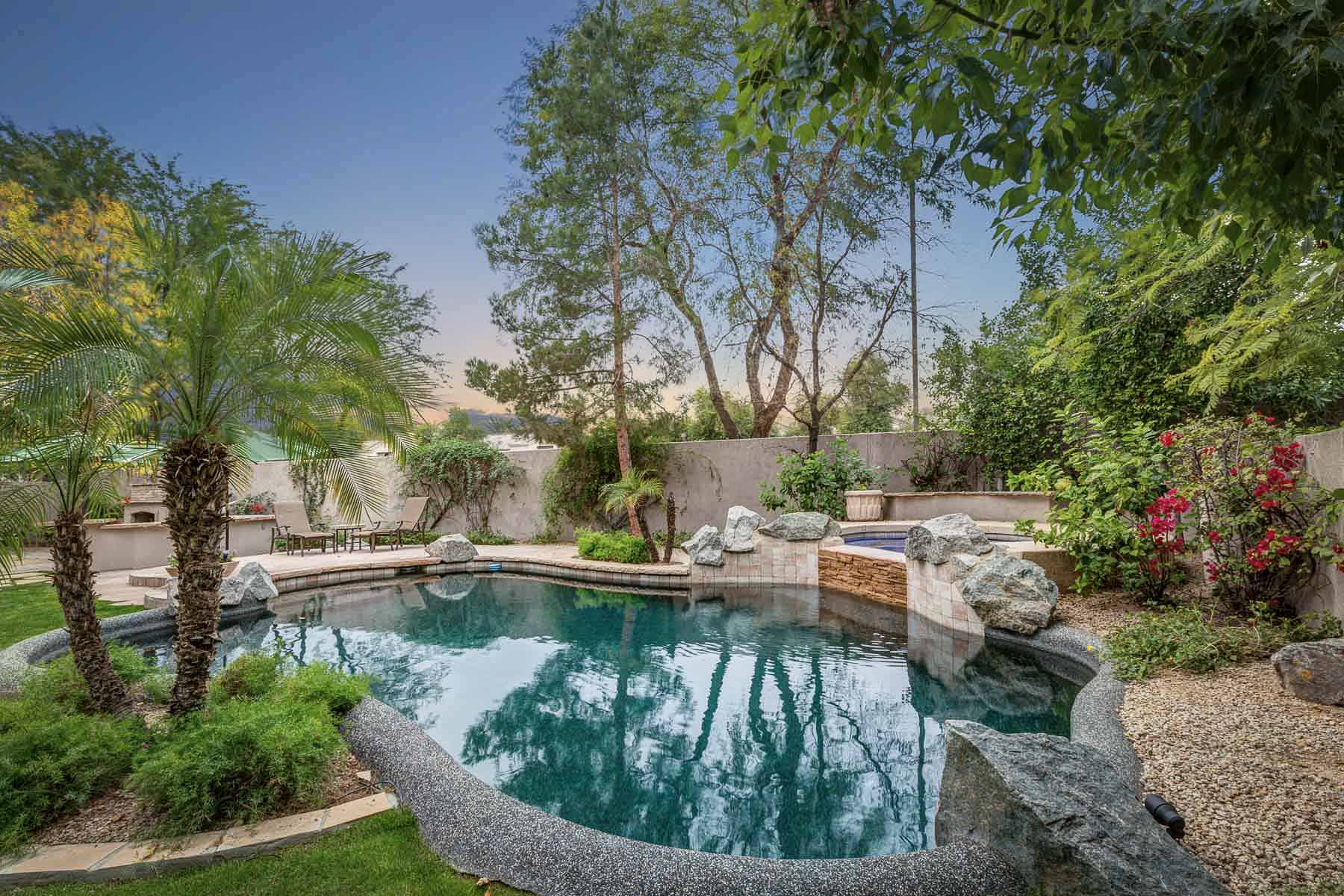 Single Family Home for Sale at Warm and dramatic home in Gainey Village 8808 N 73rd Way Scottsdale, Arizona, 85258 United States