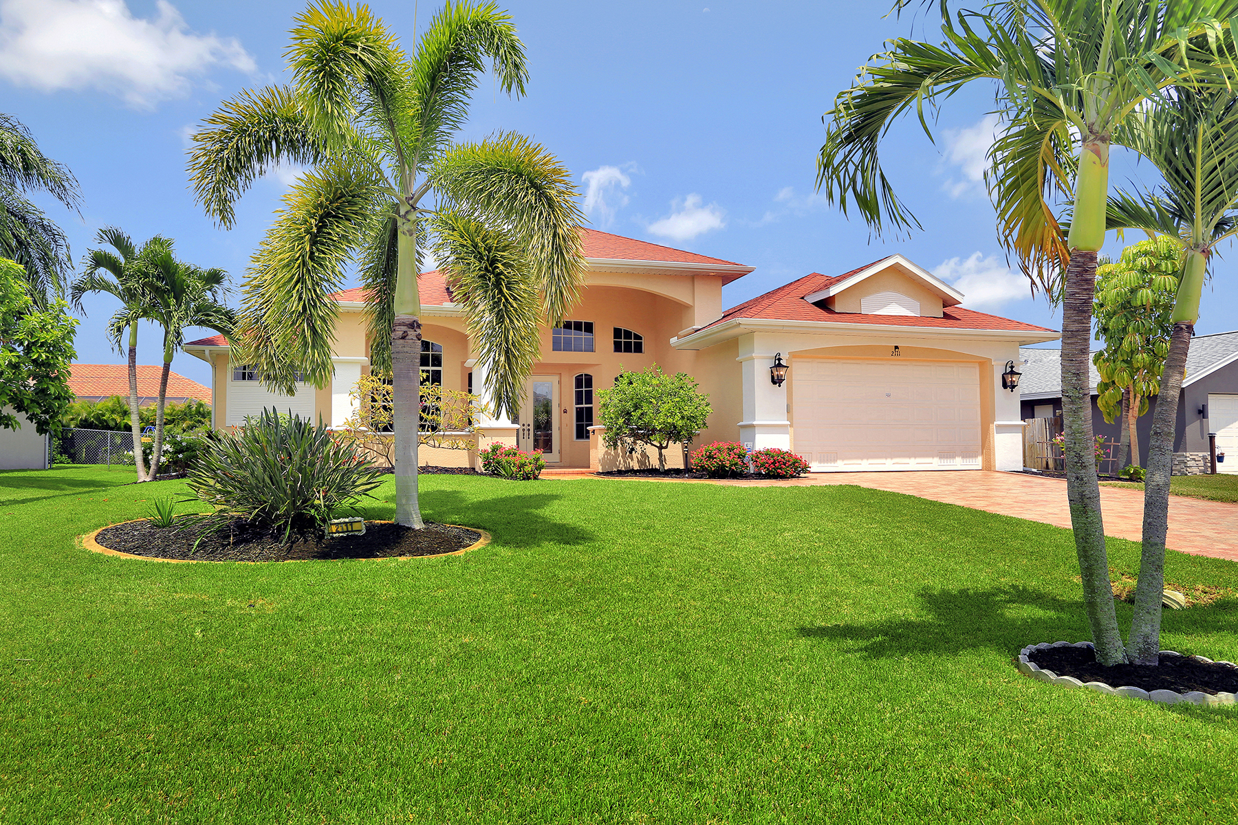 Single Family Homes for Sale at CAPE CORAL 2111 SW 49th Terrace, Cape Coral, Florida 33914 United States