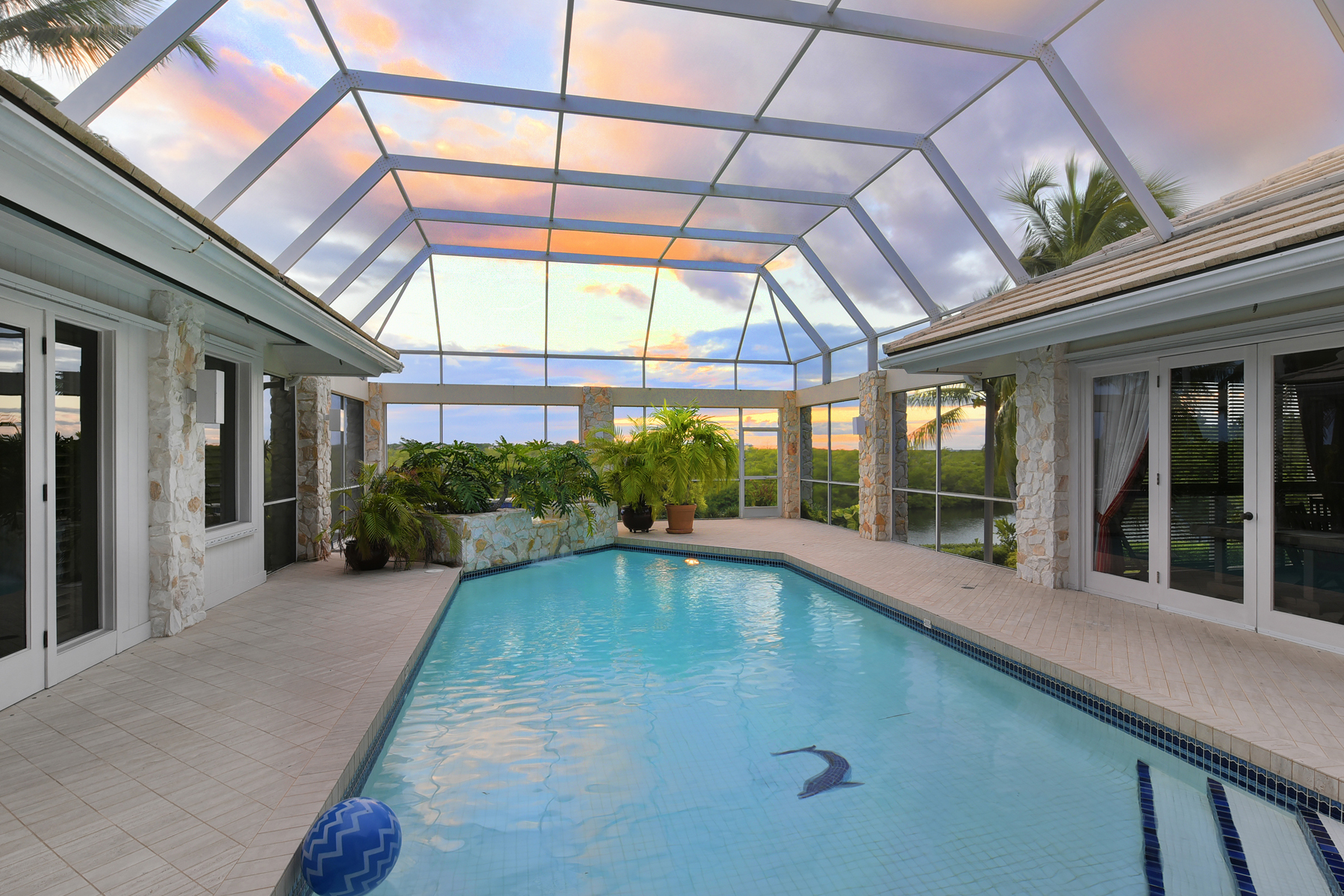 Additional photo for property listing at Prestigious Waterfront Living at Ocean Reef 13 Osprey Lane Key Largo, Florida 33037 Vereinigte Staaten
