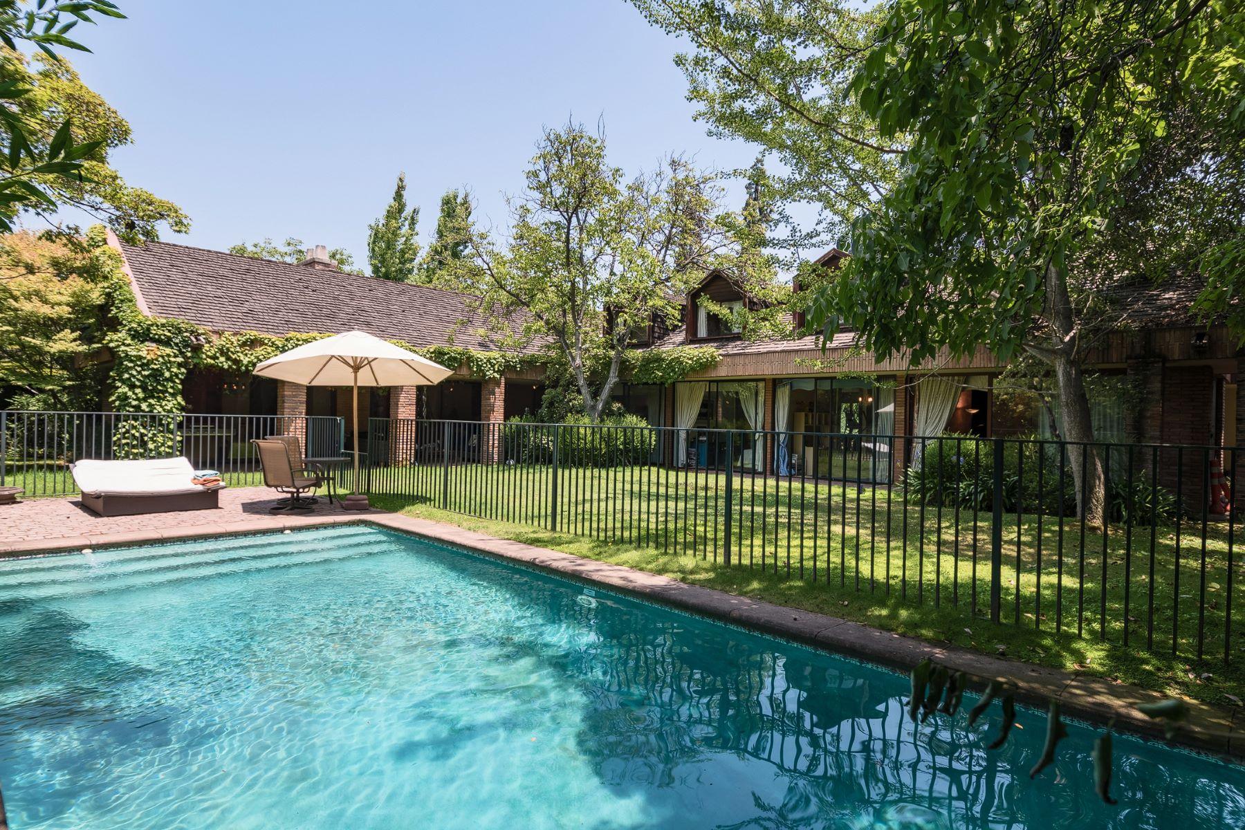 独户住宅 为 销售 在 Los Queltehues-Los Nogales Lo Barnechea, Santiago, Region Metropolitana De Santiago 智利