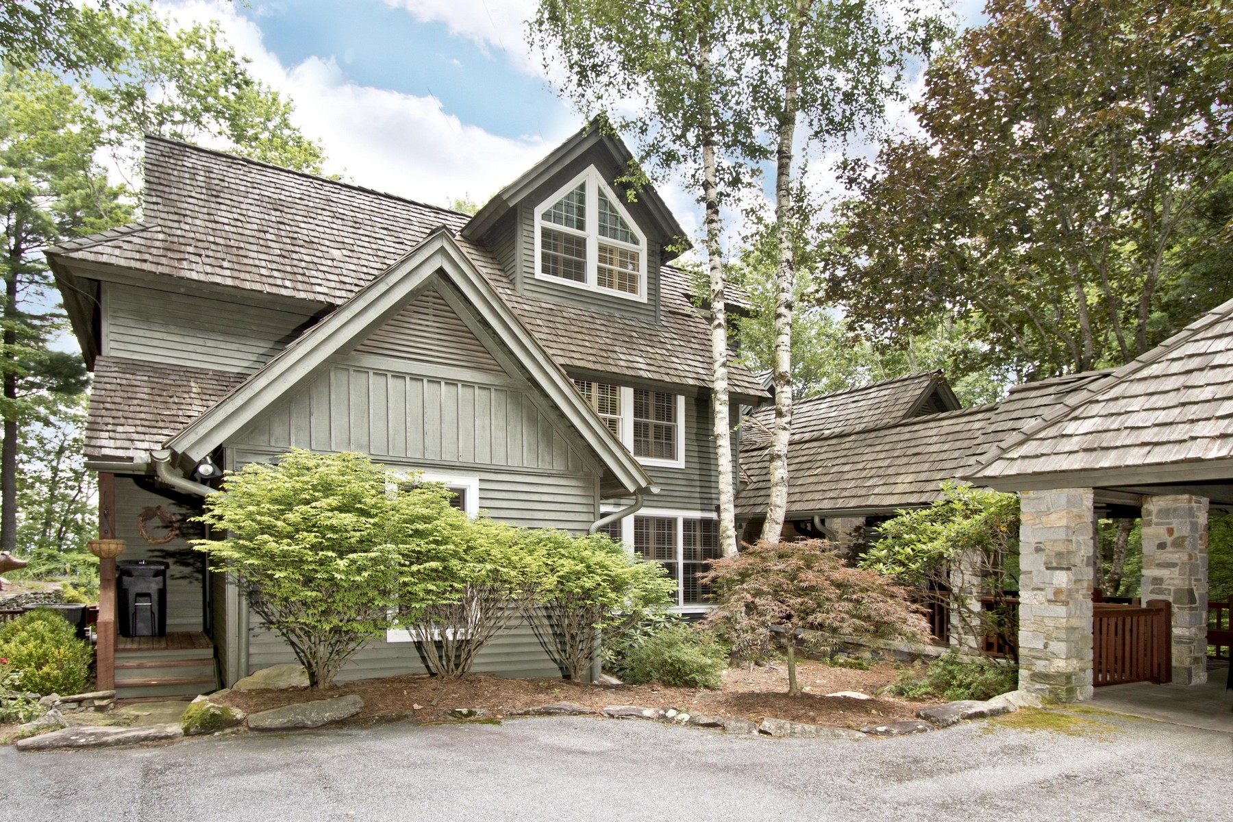 Single Family Homes for Active at 105 Old Cove Road Highlands NC 105 Old Cove Road Highlands, North Carolina 28741 United States