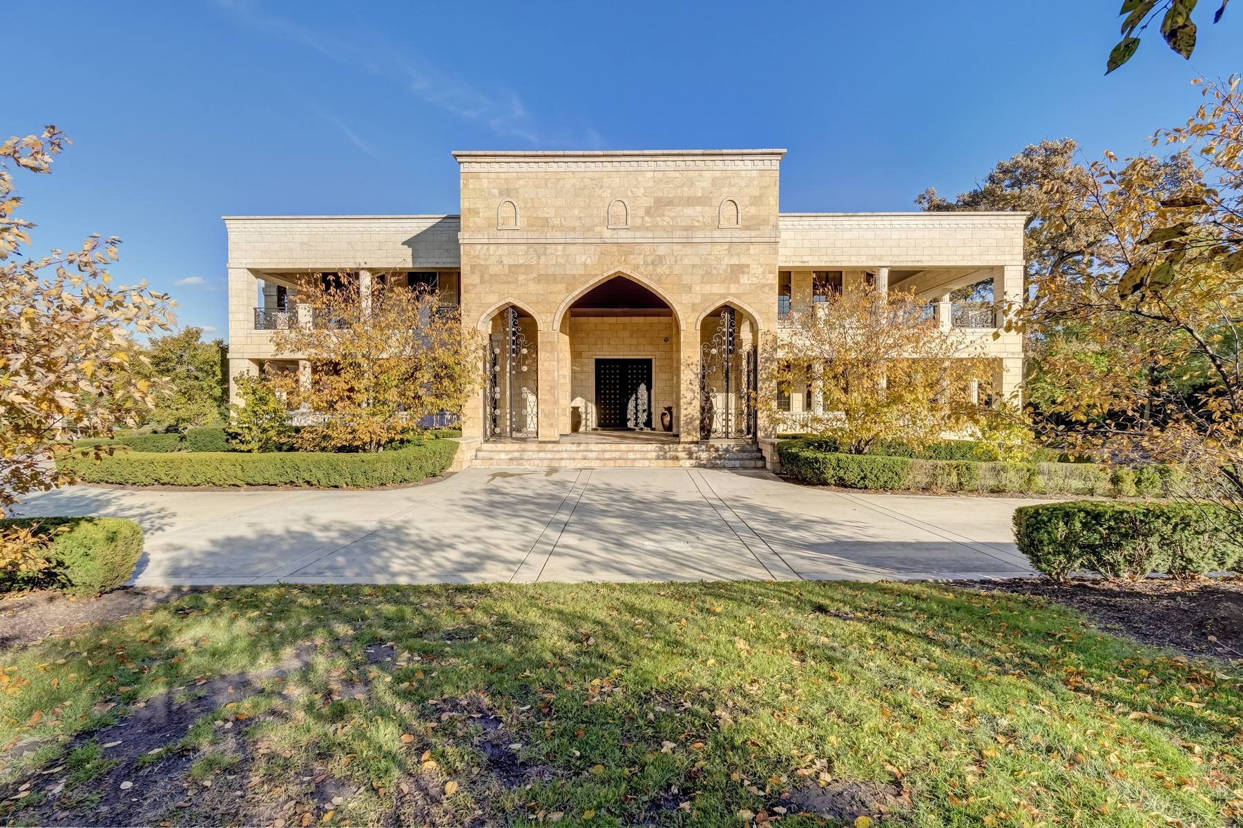 Single Family Homes for Active at An Exquisite Mansion Awaits You 6501 S County Line Road Burr Ridge, Illinois 60527 United States