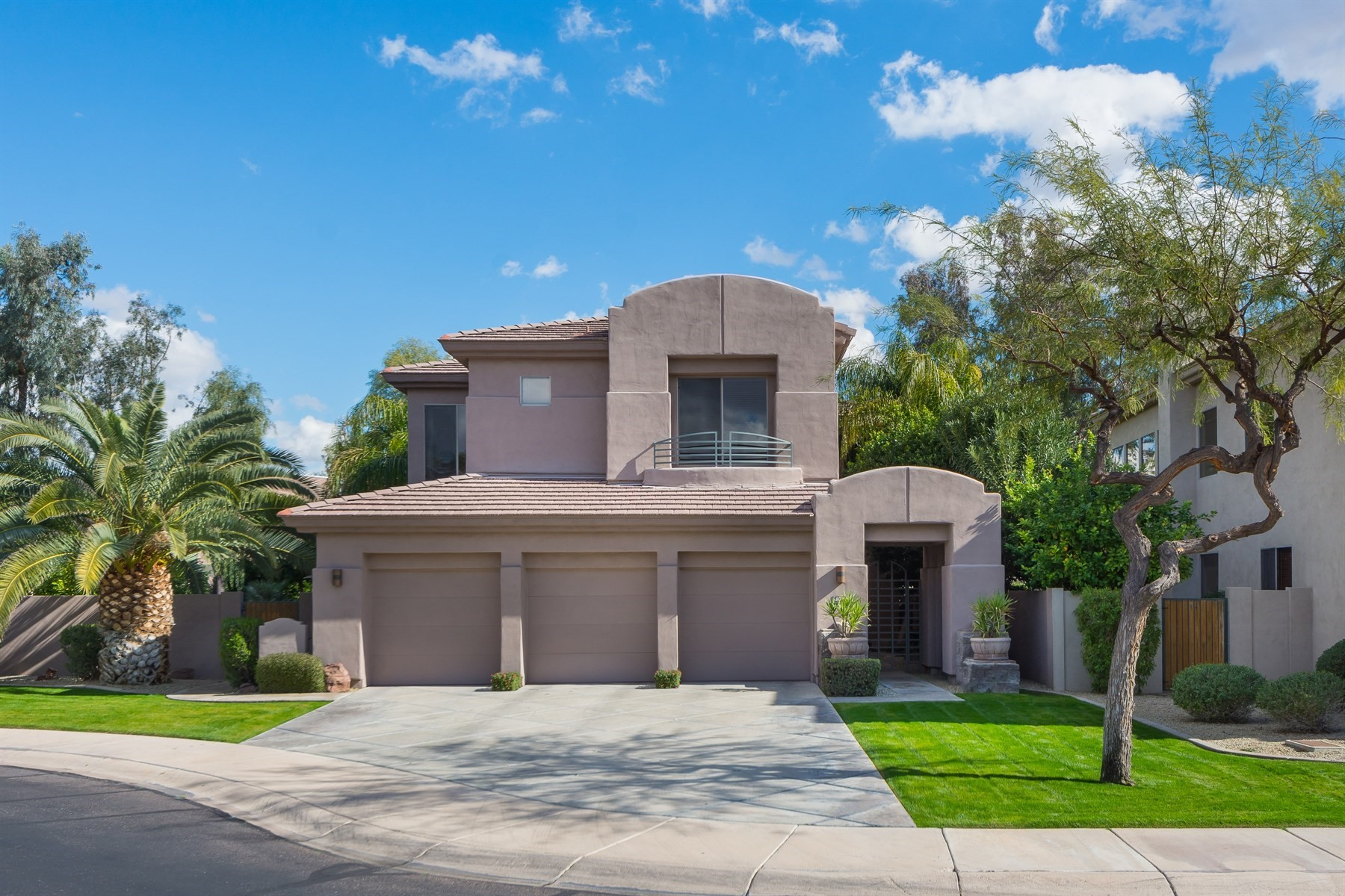 sales property at Immaculate residence in Gainey Ranch Village