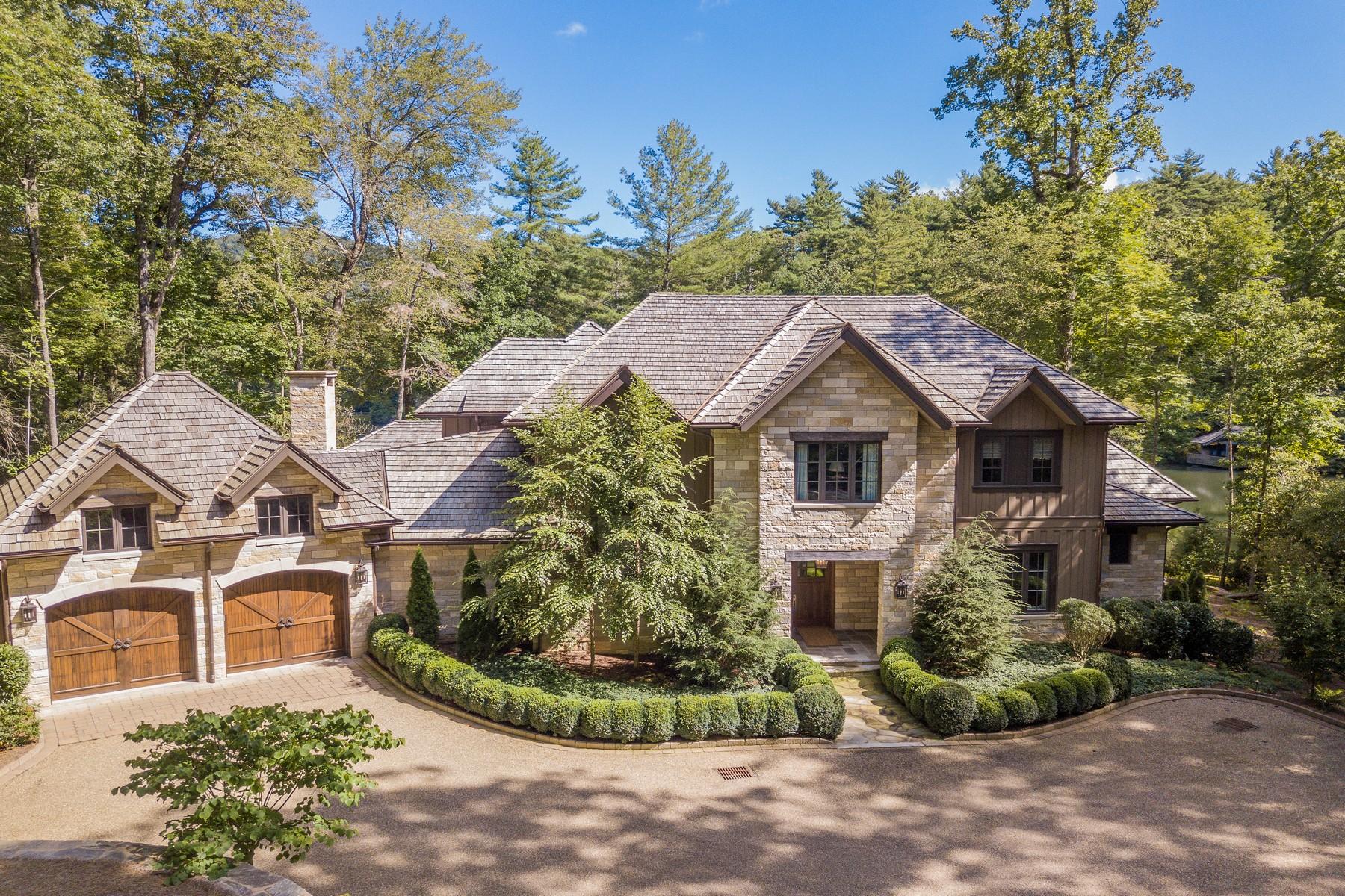 Single Family Homes для того Продажа на 680 Silver Springs Road Cashiers, Северная Каролина 28717 Соединенные Штаты