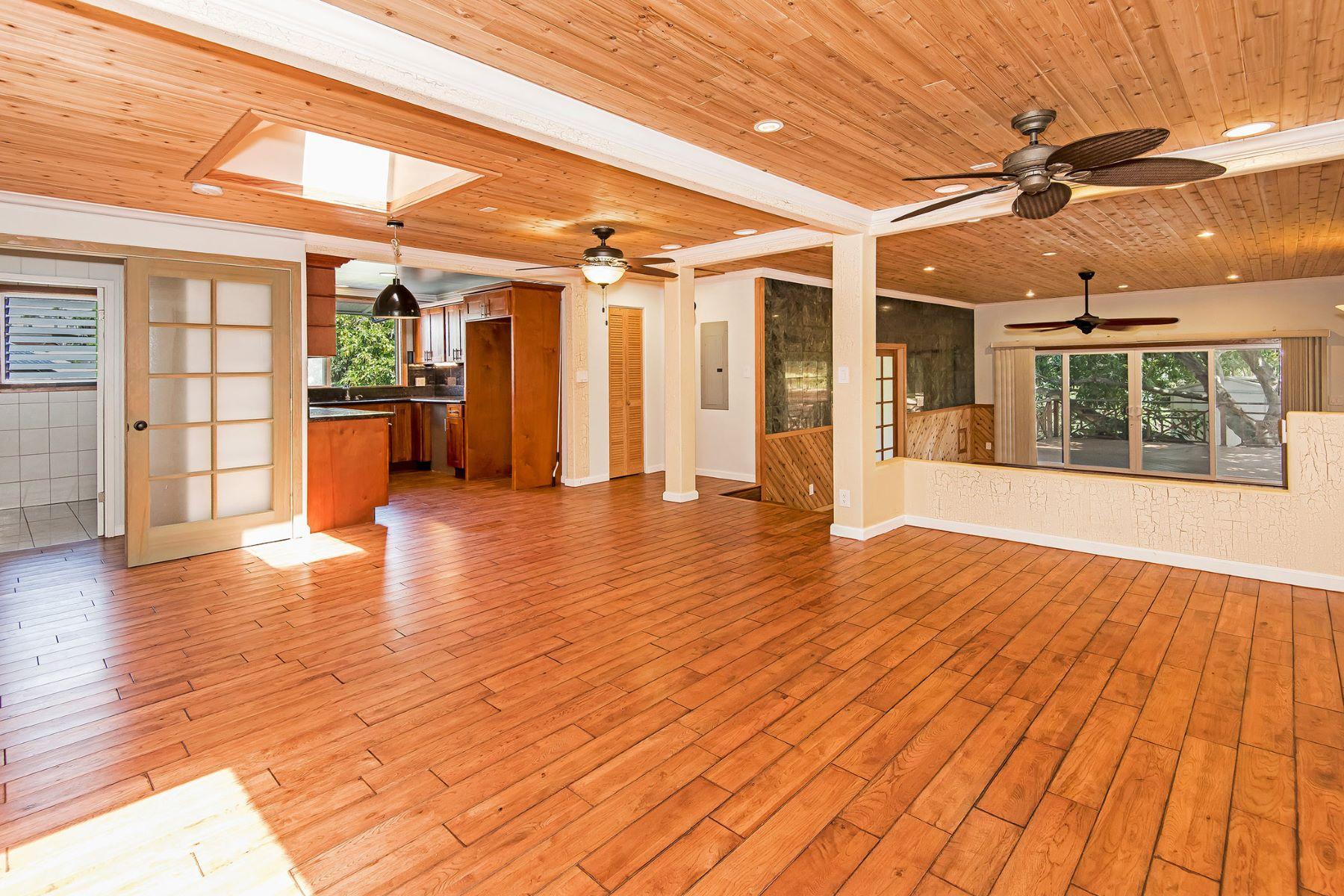 Maison unifamiliale pour l Vente à Exquisite and Elegant 652 Hoohulu Place Momilani, Pearl City, Hawaii, 96782 États-Unis