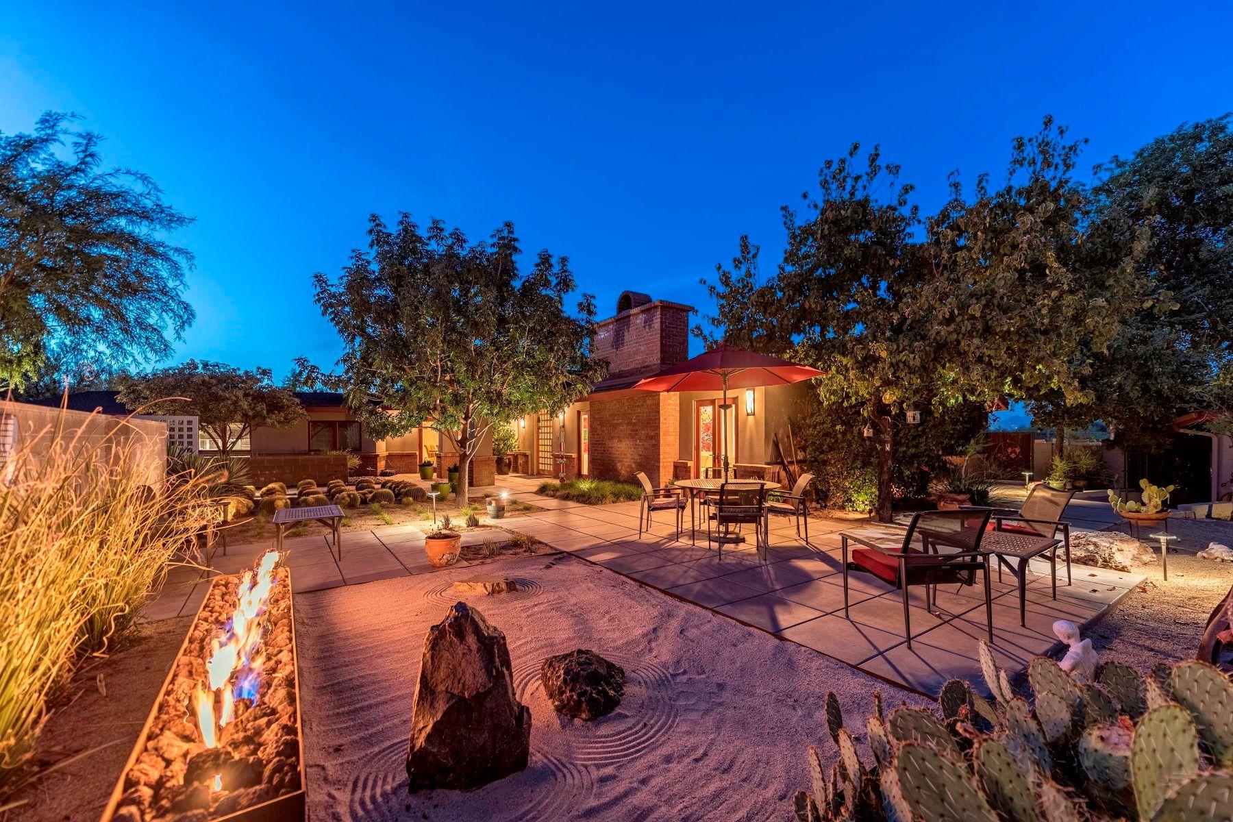 Maison unifamiliale pour l Vente à A Mid Century Treasure 6330 E SAGE DR, Paradise Valley, Arizona, 85253 États-Unis