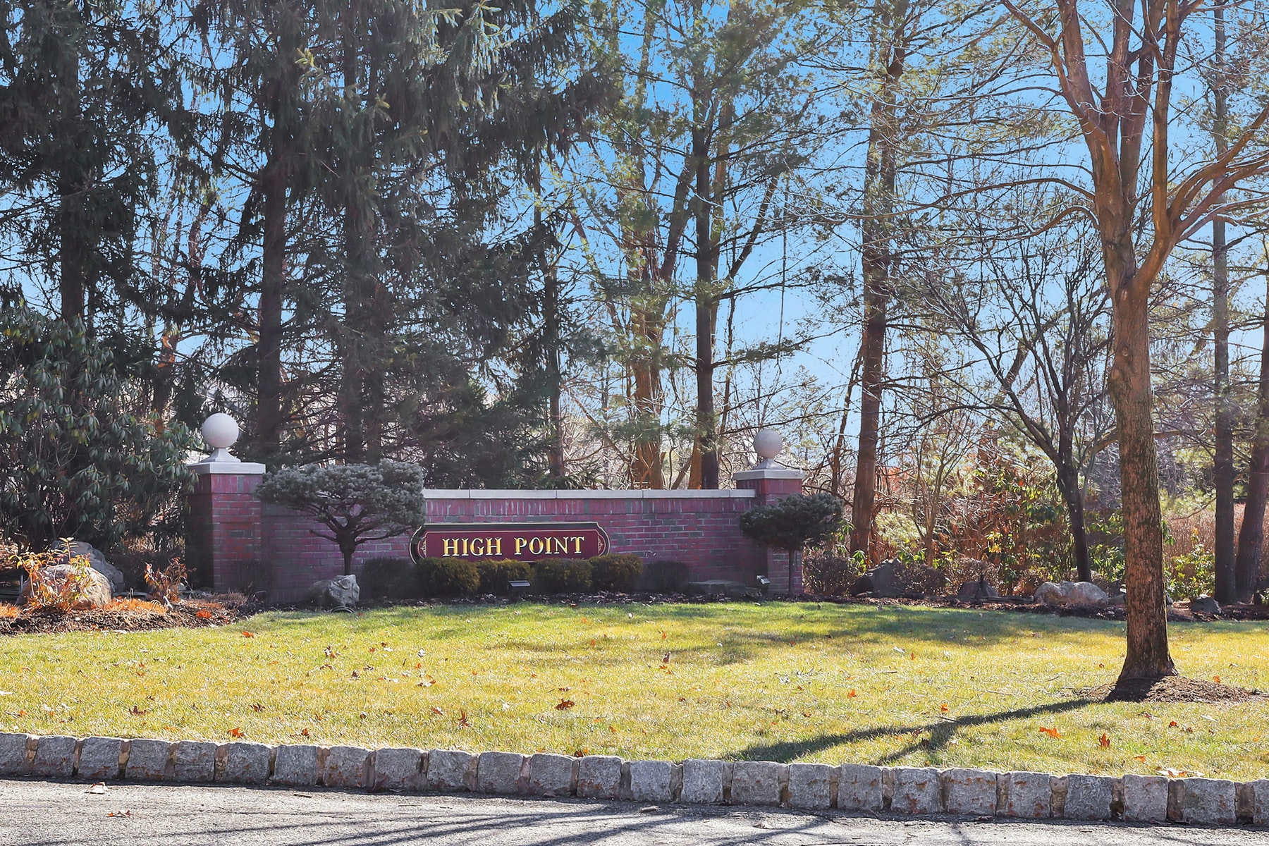 townhouses for Sale at High Point Townhome 94 Summer Hill Road Wayne, New Jersey 07470 United States