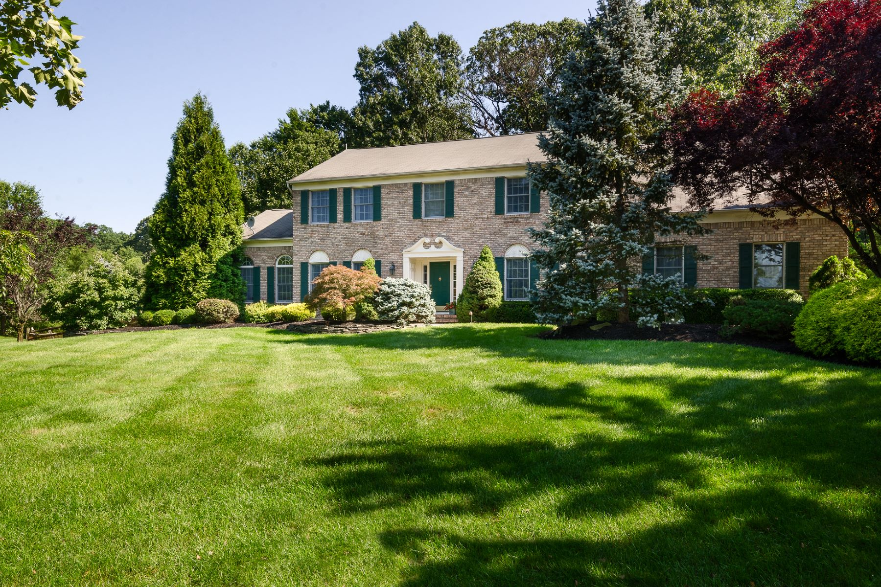 Single Family Home for Sale at Elegantly Updated on a Princeton Oaks Cul-De-Sac 5 Wynwood Court, West Windsor, New Jersey 08550 United StatesMunicipality: West Windsor Twp