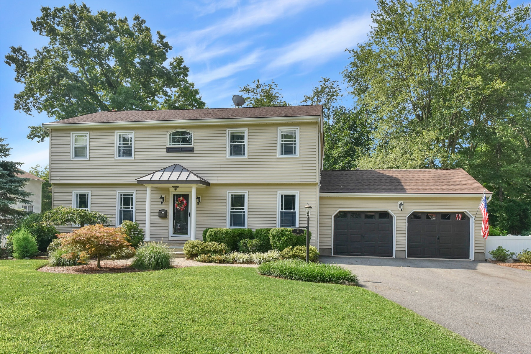 Single Family Home for Sale at A Beautifully Appointed Expanded Colonial Home. 11 Kimberly Court Ramsey, New Jersey 07446 United States