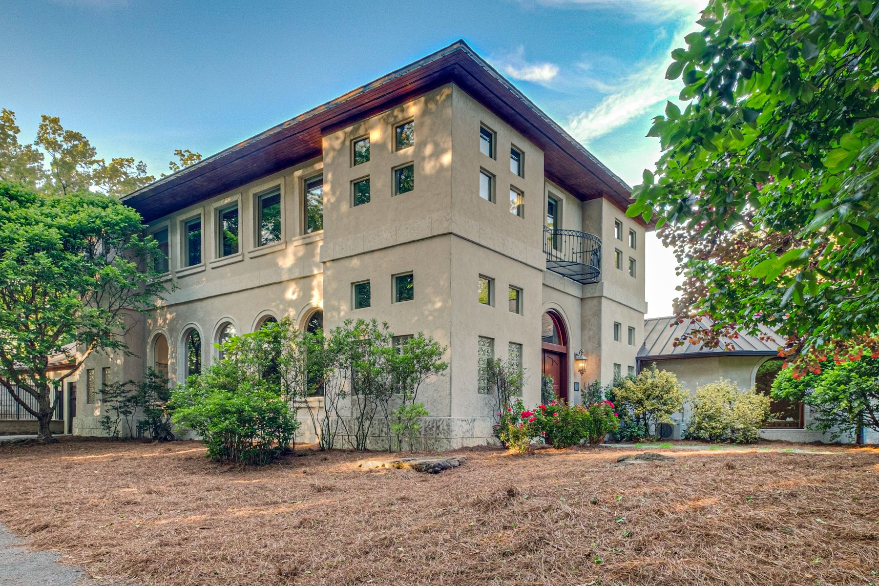 Single Family Homes vì Bán tại Spectacular Hilltop Villa on 10.97 Acres 6727 Duquaine Court, Nashville, Tennessee 37205 Hoa Kỳ