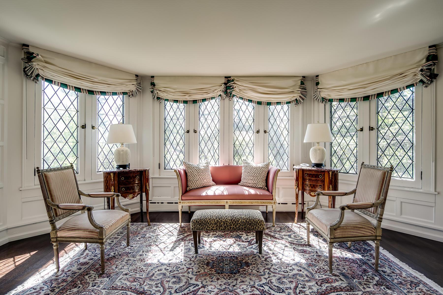 Additional photo for property listing at Storybook Tudor Combines Old World Elegance & European Renovation 120 N Humboldt Street, Denver, Колорадо 80218 Соединенные Штаты