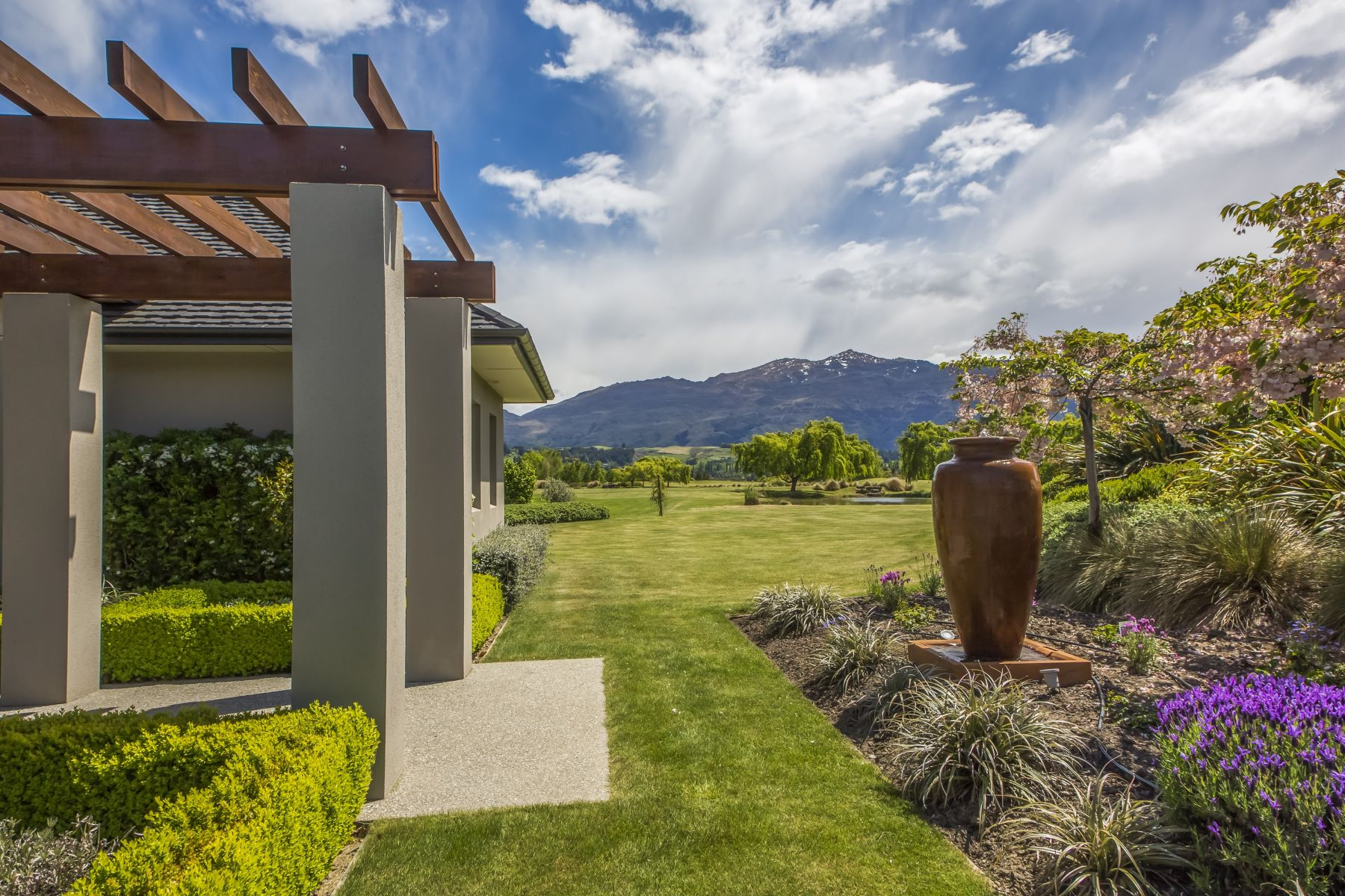 Single Family Home for Sale at 95 Tucker Beach Road, Queenstown 95 Tucker Beach Road Lower Shotover, Queenstown, Otago, 9371 New Zealand