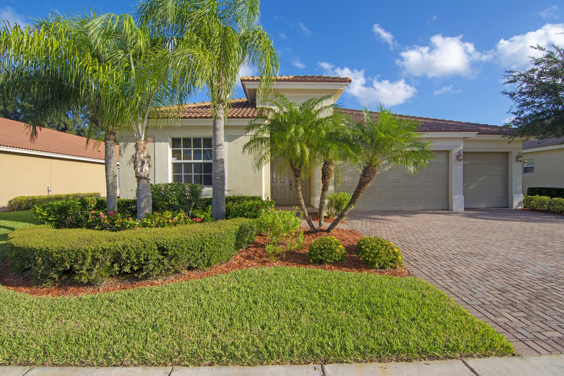 Single Family Homes for Sale at Spectacular Four Bedroom Home 6212 Coverty Place Vero Beach, Florida 32966 United States