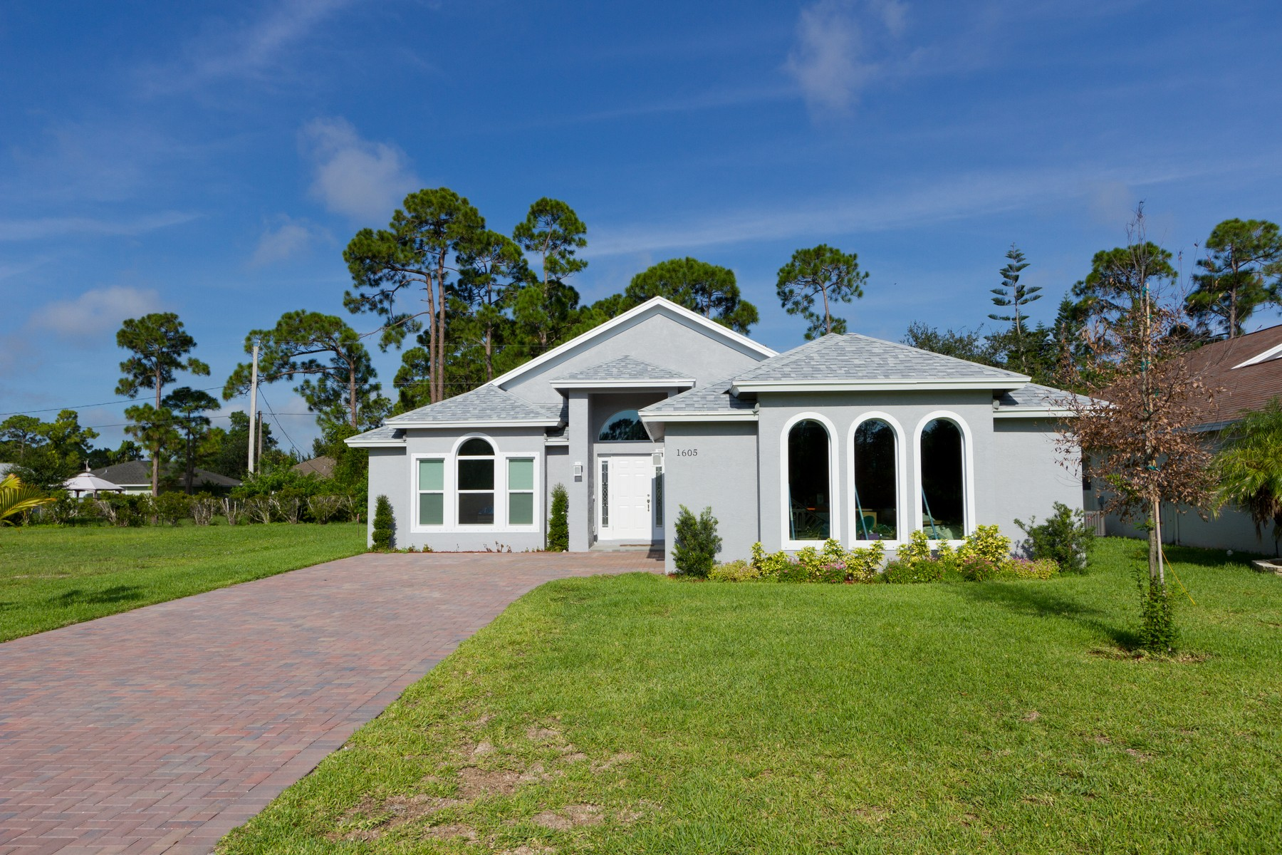 Property for Sale at Tucked Away on a Quiet Cul-De-Sac. 1615 16th Court SW Vero Beach, Florida 32962 United States