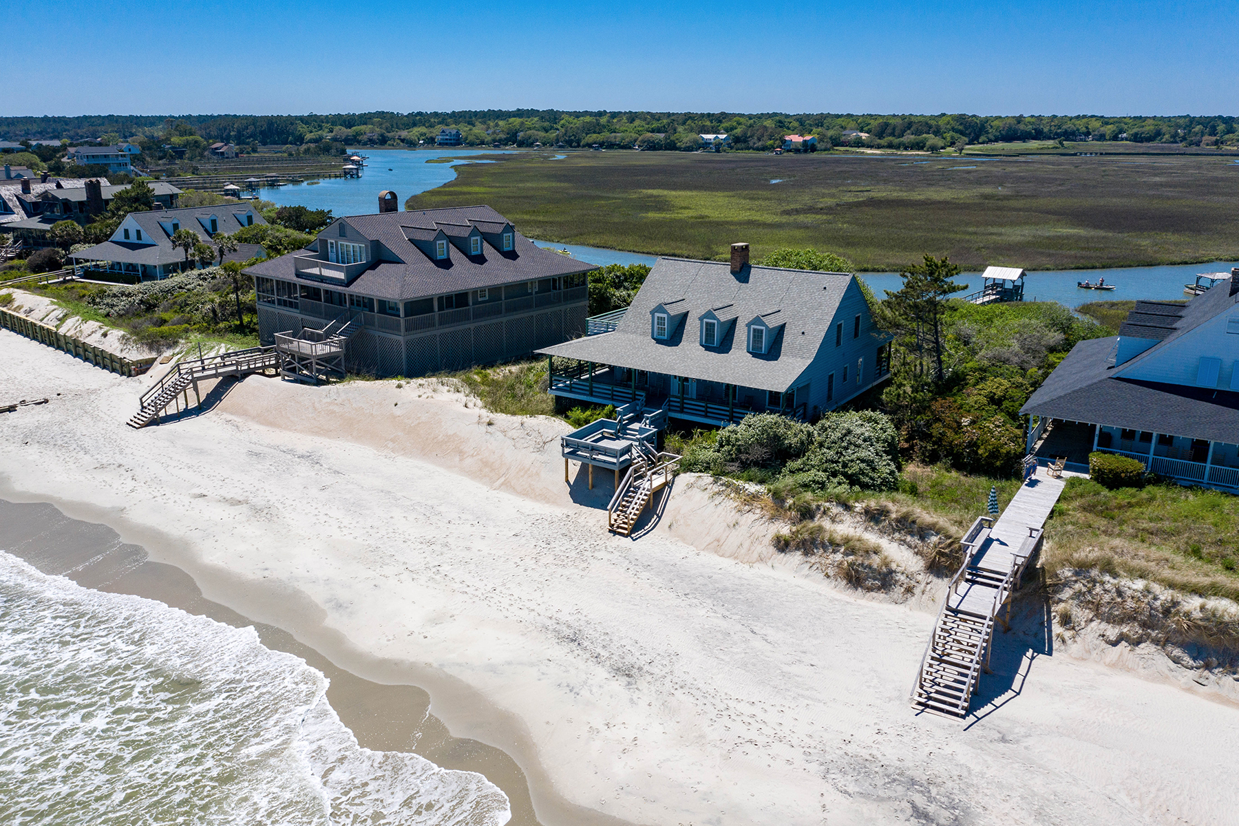 Single Family Homes for Sale at 554 Myrtle Avenue Pawleys Island, South Carolina 29585 United States