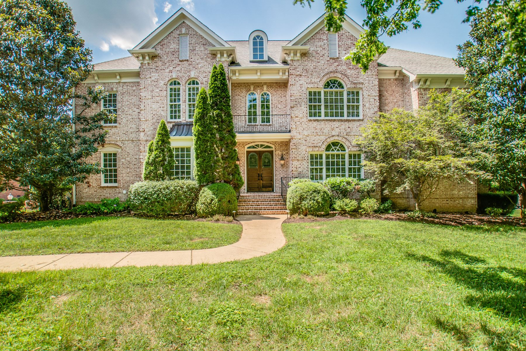Single Family Homes pour l Vente à Custom Built by Stan Pope 9427 Weatherly Drive, Brentwood, Tennessee 37027 États-Unis