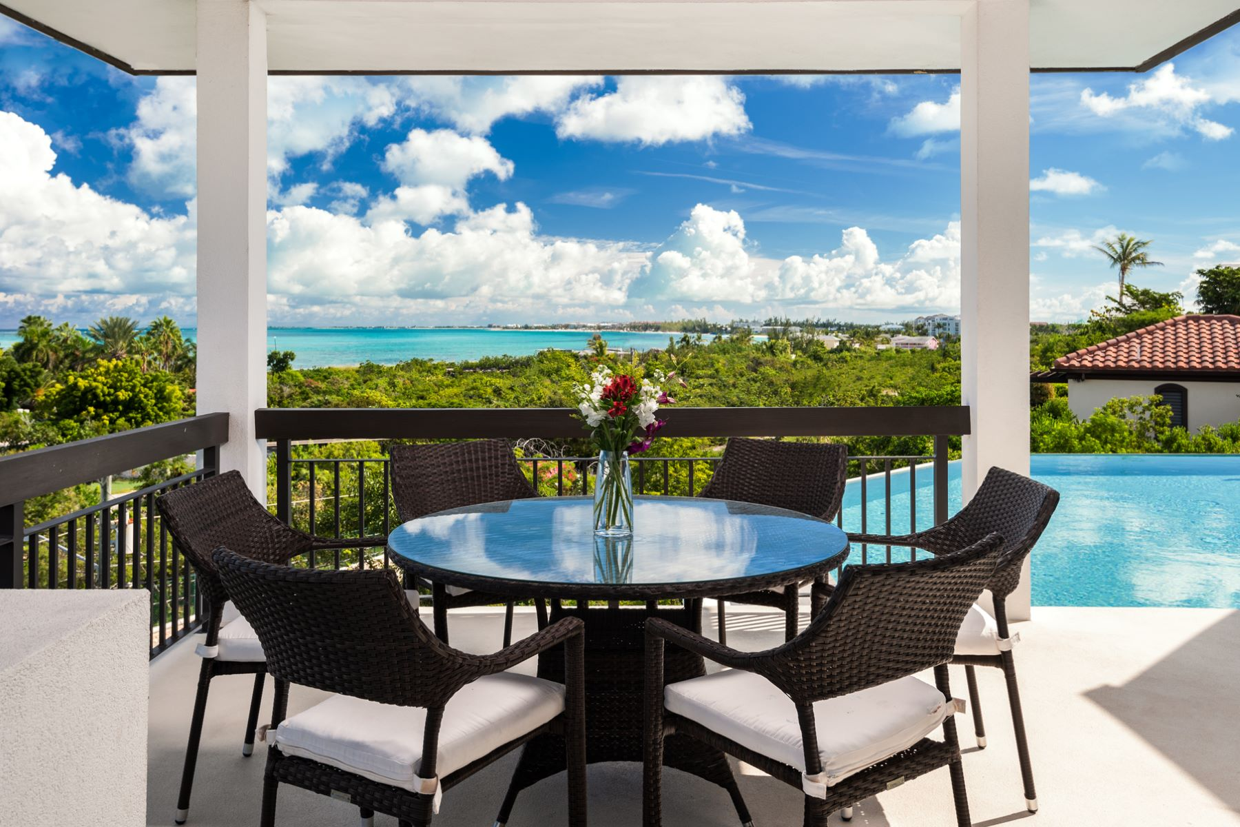 Casa Unifamiliar por un Venta en On The Rocks Villa Turtle Cove, Providenciales Islas Turcas Y Caicos