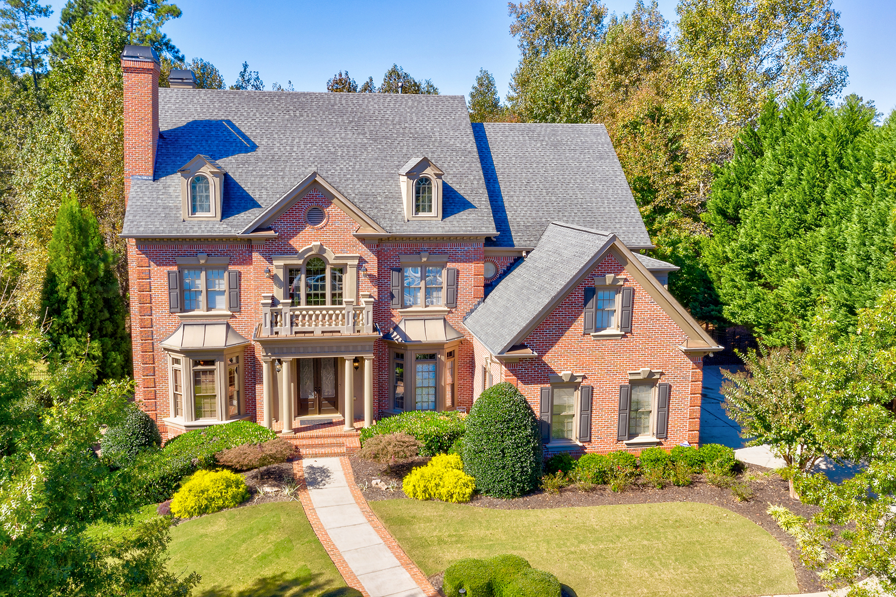 Single Family Home for Sale at Fabulous Home in Sugarloaf Country Club 2704 Thurleston Lane Duluth, Georgia 30097 United States