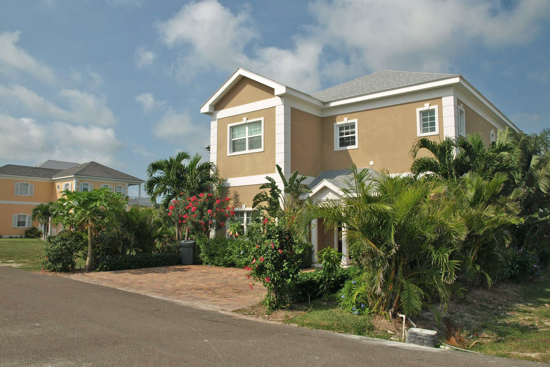 Single Family Home for Sale at Royal Palm Cay #7, Sandyport Sandyport, Cable Beach, Nassau And Paradise Island Bahamas