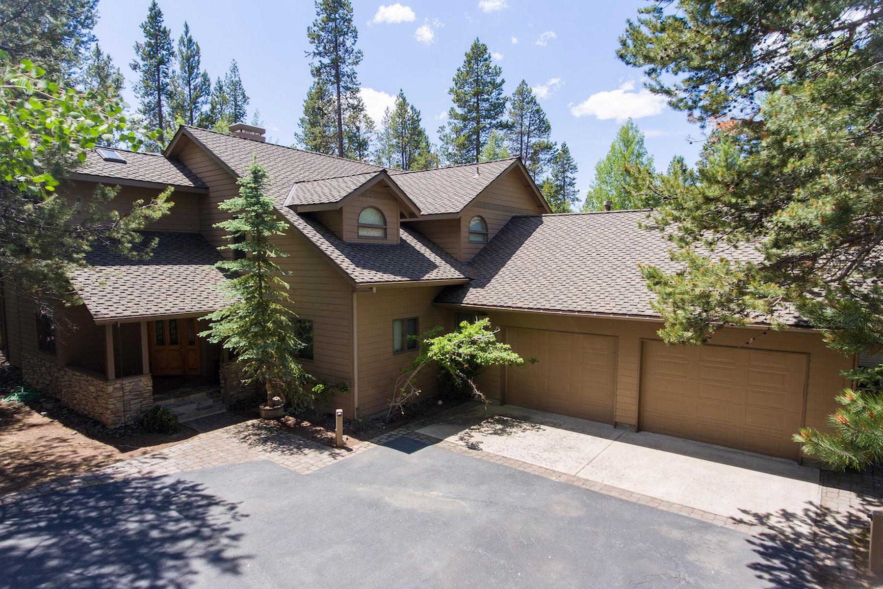 Single Family Homes pour l Vente à 17763-17 Malheur Lane Sunriver, OR Sunriver, Oregon 97707 États-Unis