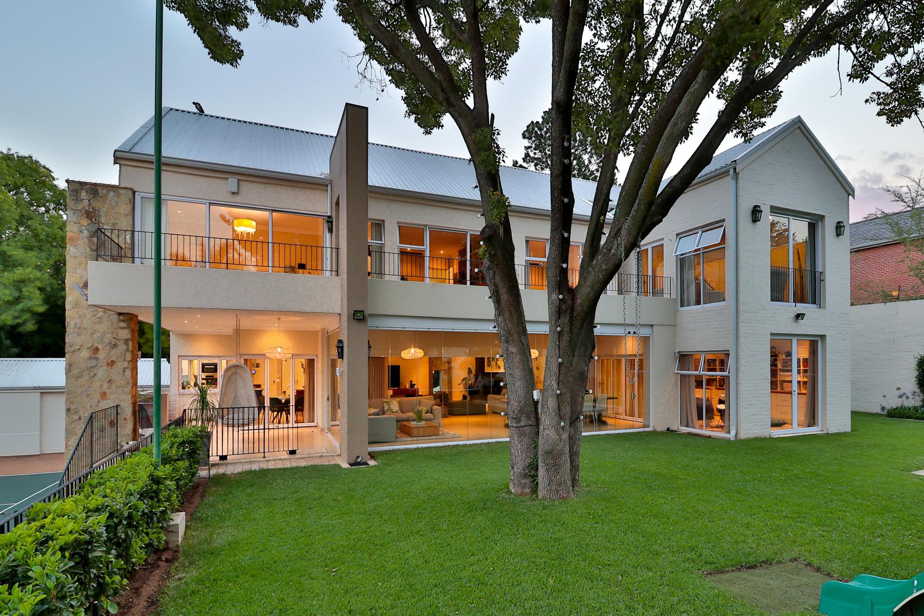 Частный односемейный дом для того Продажа на Bryanston Johannesburg, Гаутенг, Южная Африка