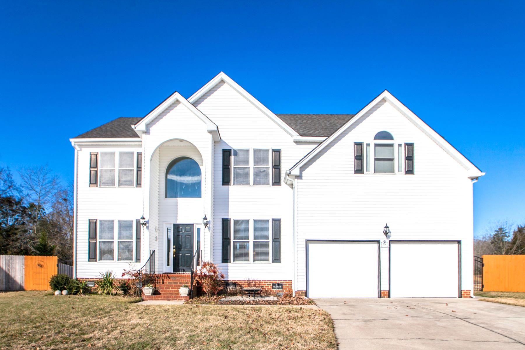 واحد منزل الأسرة للـ Sale في RIO VISTA 504 Miami Dr, Chesapeake, Virginia, 23323 United States