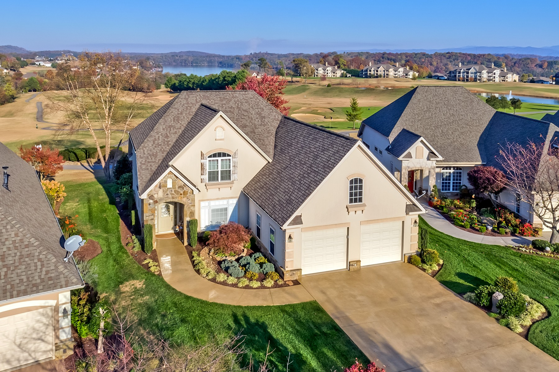 Single Family Home for Sale at Rarity Bay Villa with Views 216 Kingbird Drive Vonore, Tennessee, 37885 United States