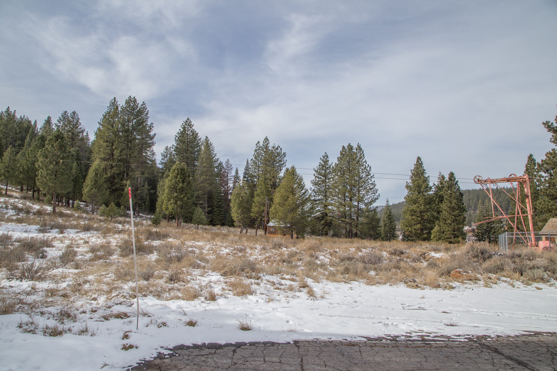 Additional photo for property listing at 000 Rue Hilltop, Truckee, CA 000 Rue Hilltop Truckee, California 96161 United States