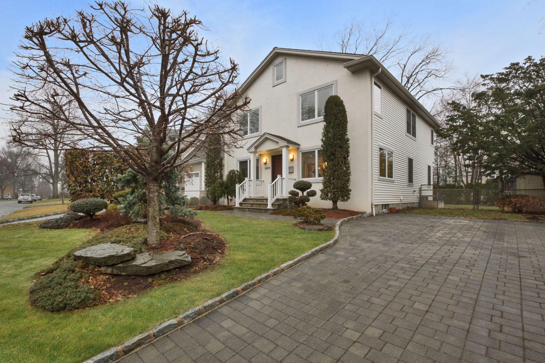 独户住宅 为 销售 在 Wonderful Colonial 268 Highland St, Cresskill, 新泽西州 07626 美国