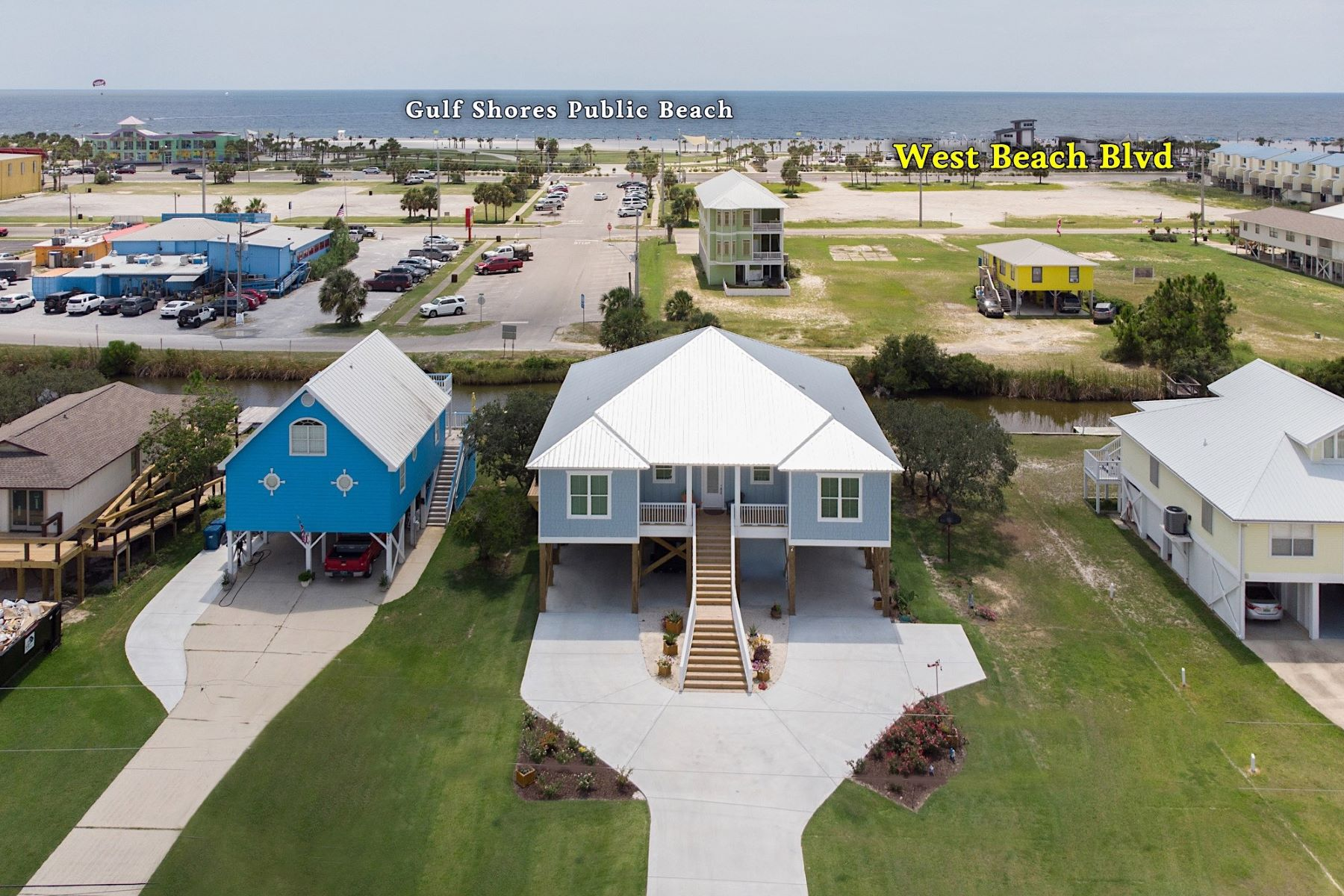 Single Family Homes para Venda às Gulf Shores 3rd Ave 203 W 3rd Avenue Gulf Shores, Alabama 36542 Estados Unidos