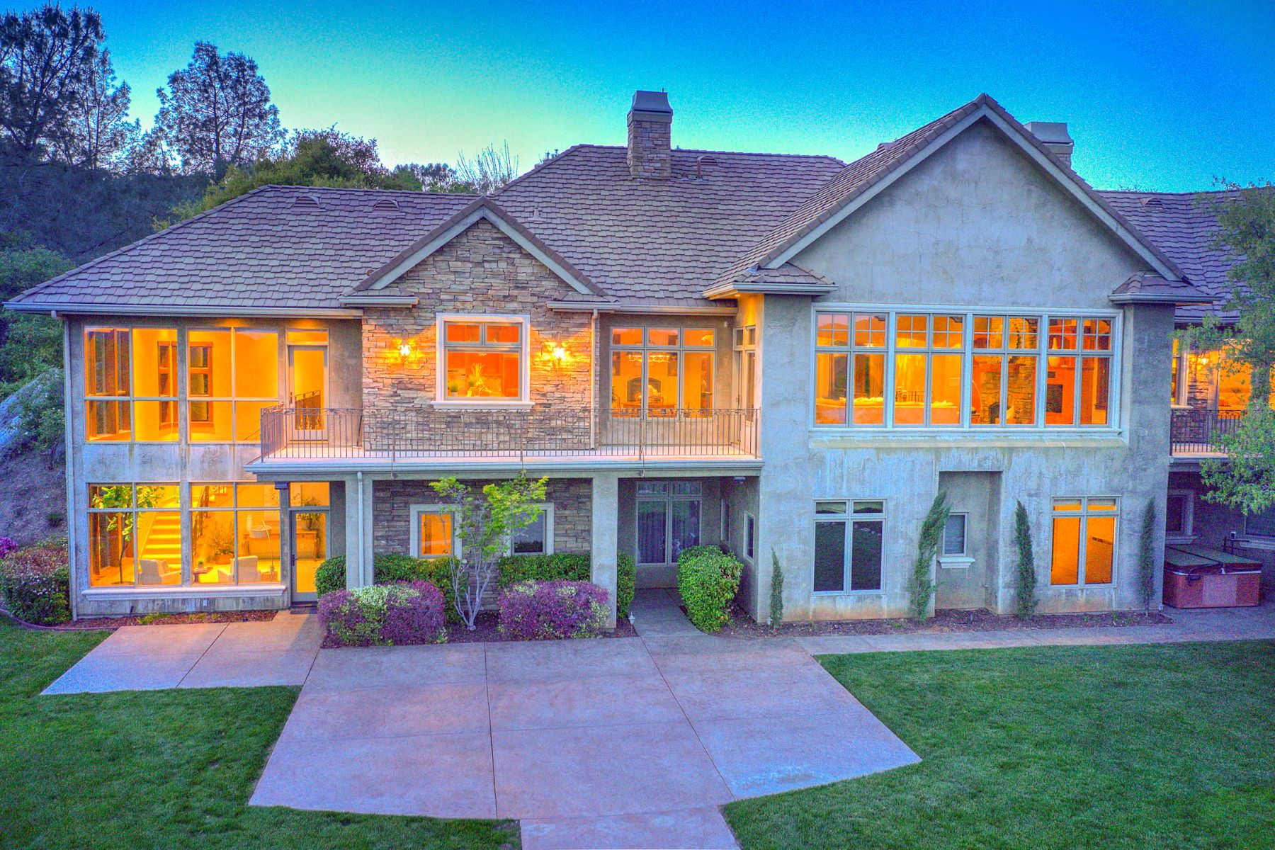 Single Family Home for Active at 3460 N Lakeshore Blvd, Loomis, CA 95650 3460 N Lakeshore Blvd Loomis, California 95650 United States