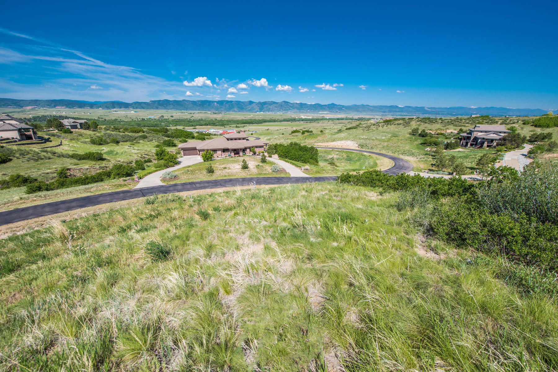 Additional photo for property listing at Build Your Dream Home In This Exclusive Gated Community! 5237 Aspen Leaf Drive Littleton, Colorado 80125 United States